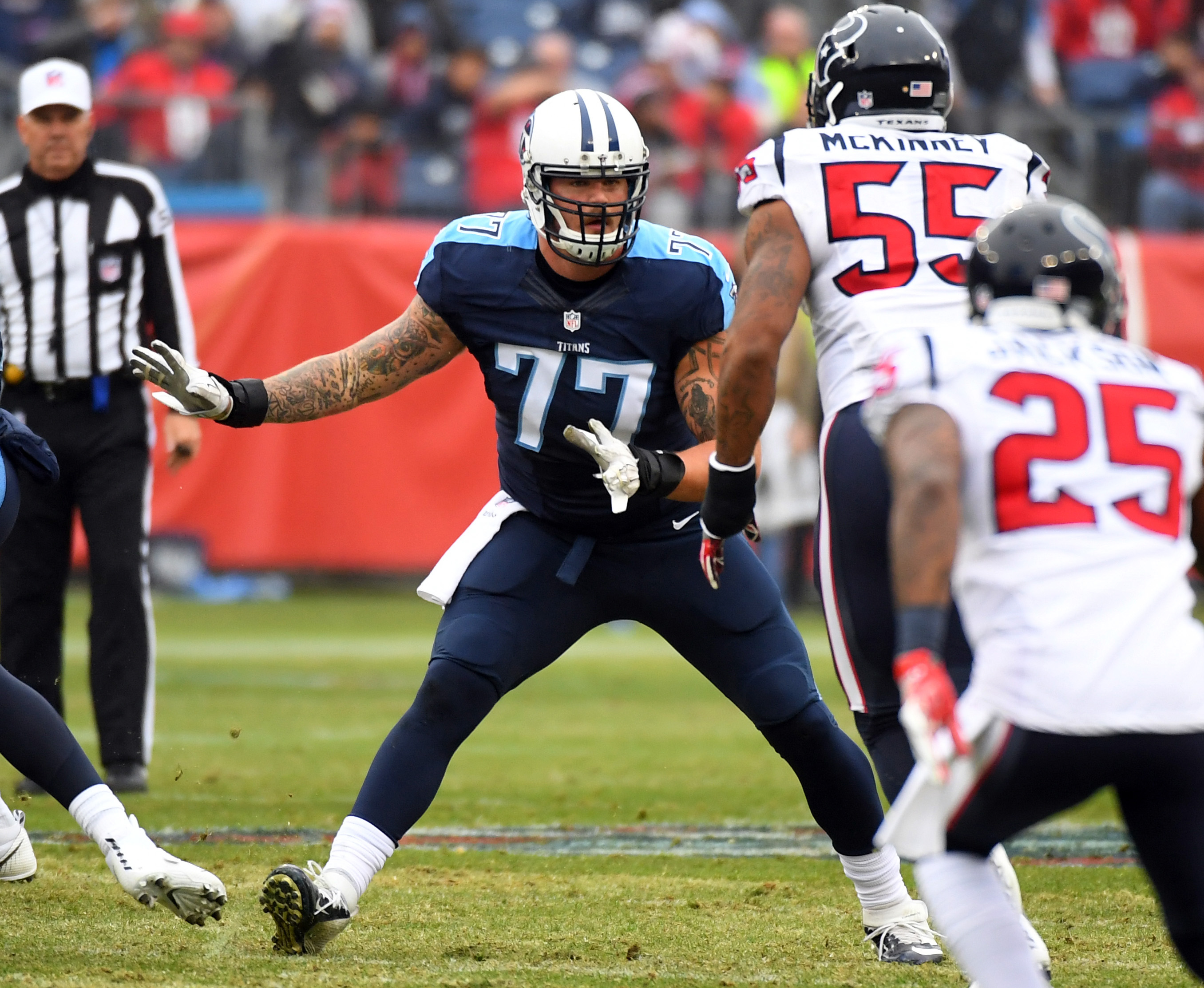 9782059-nfl-houston-texans-at-tennessee-titans