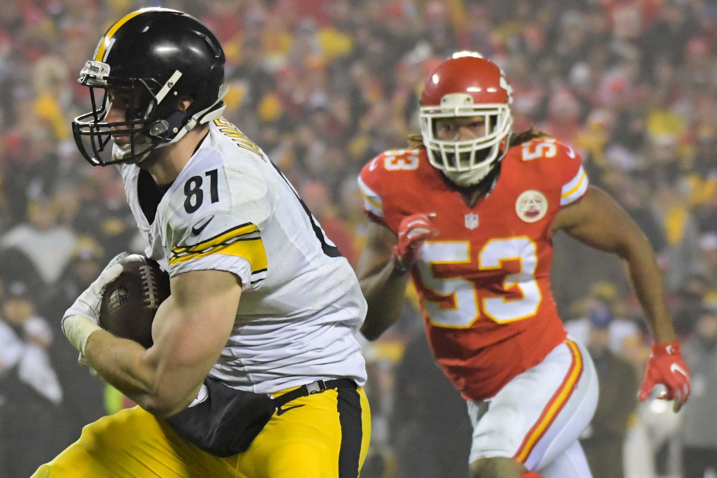 9813049-nfl-afc-divisional-pittsburgh-steelers-at-kansas-city-chiefs