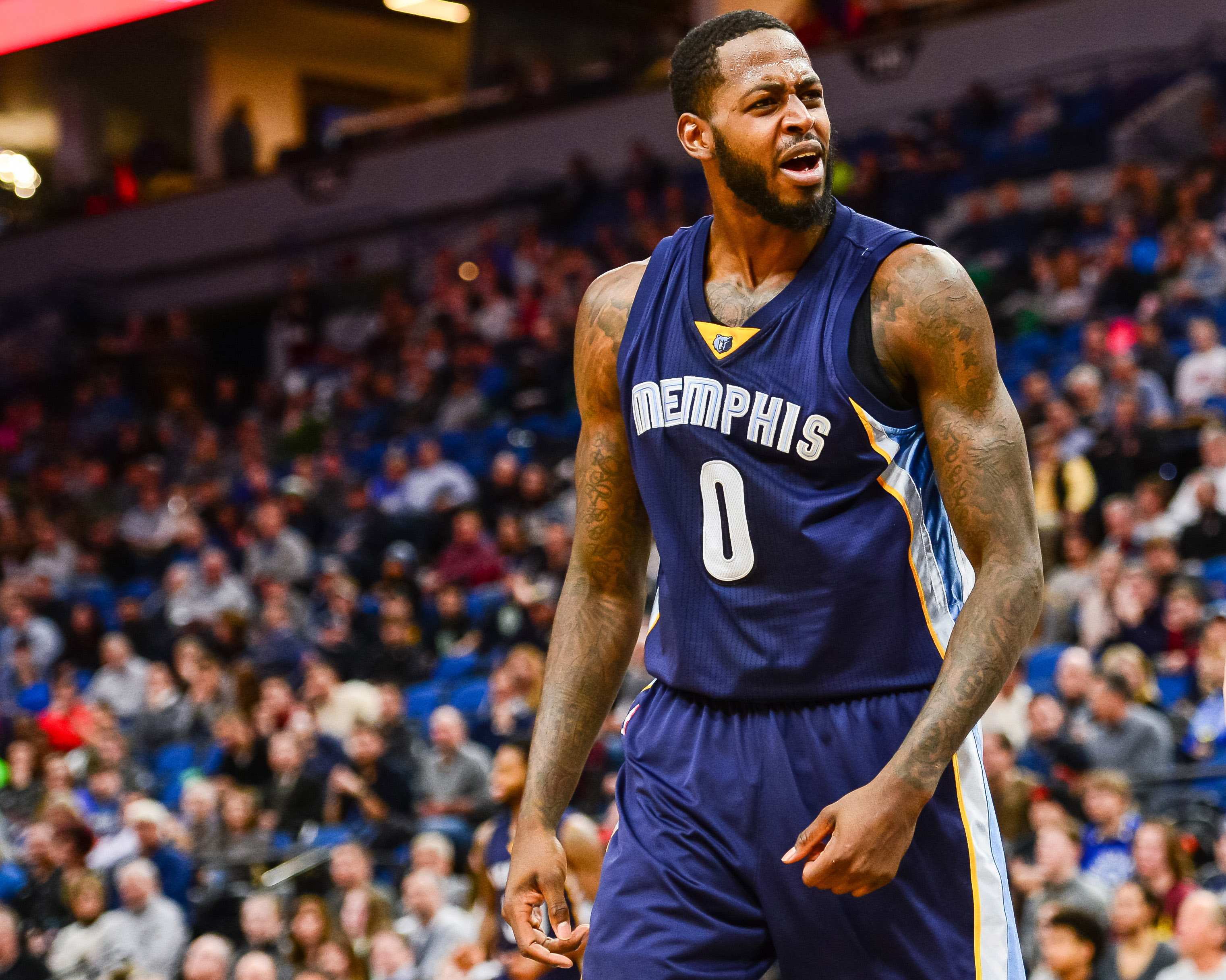 9860032-nba-memphis-grizzlies-at-minnesota-timberwolves