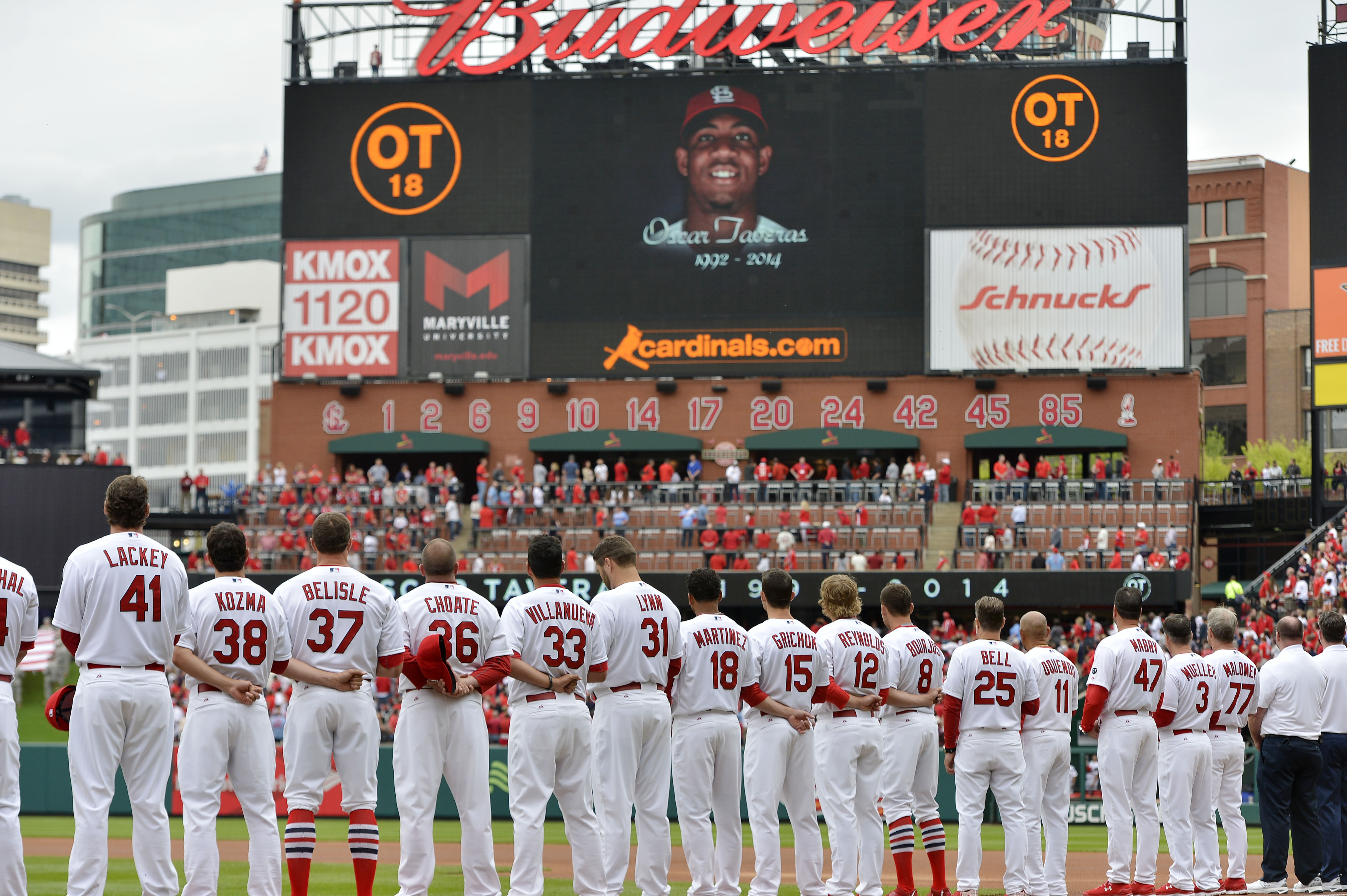 8518440-mlb-milwaukee-brewers-at-st.-louis-cardinals