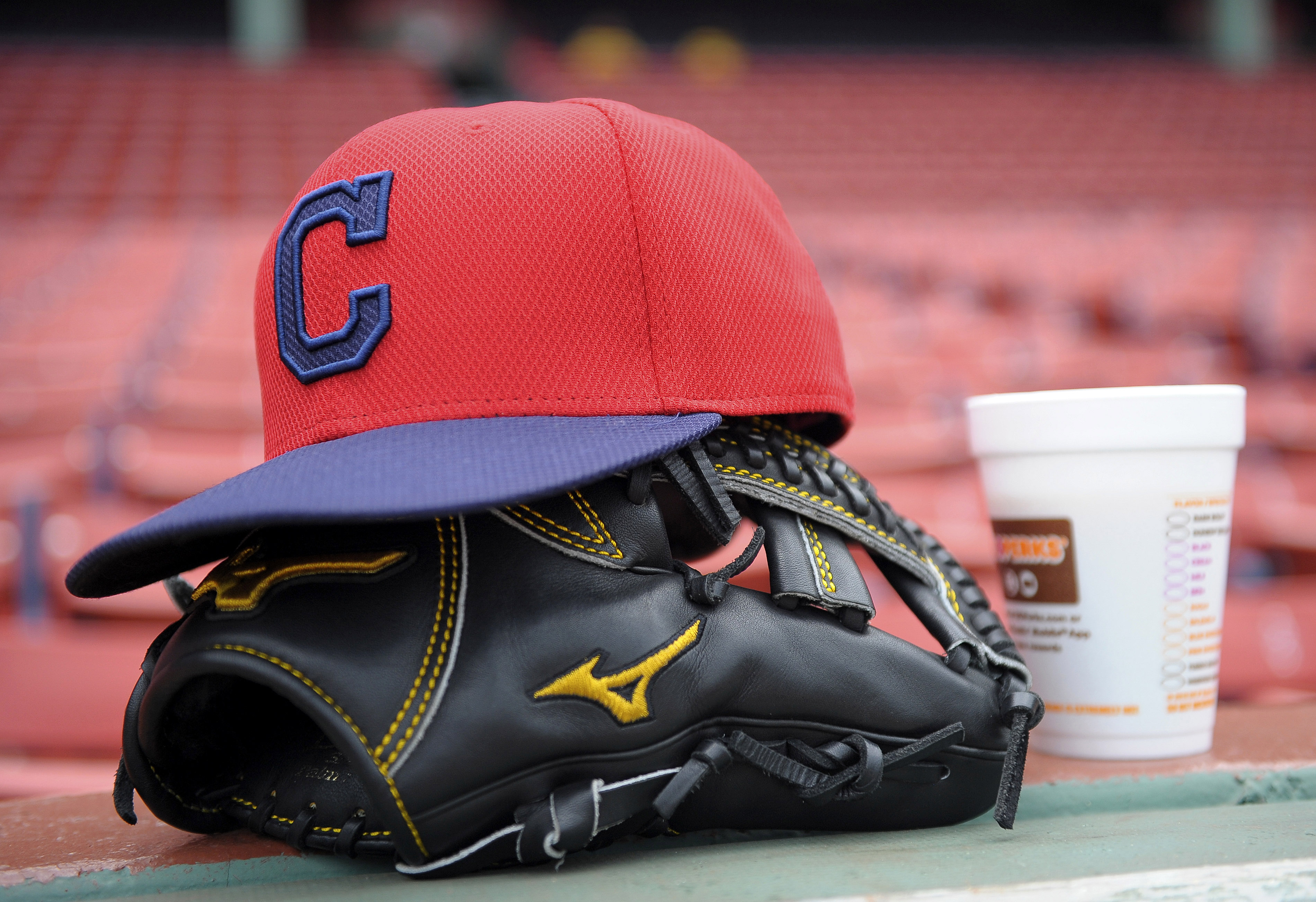 8754715-mlb-cleveland-indians-at-boston-red-sox