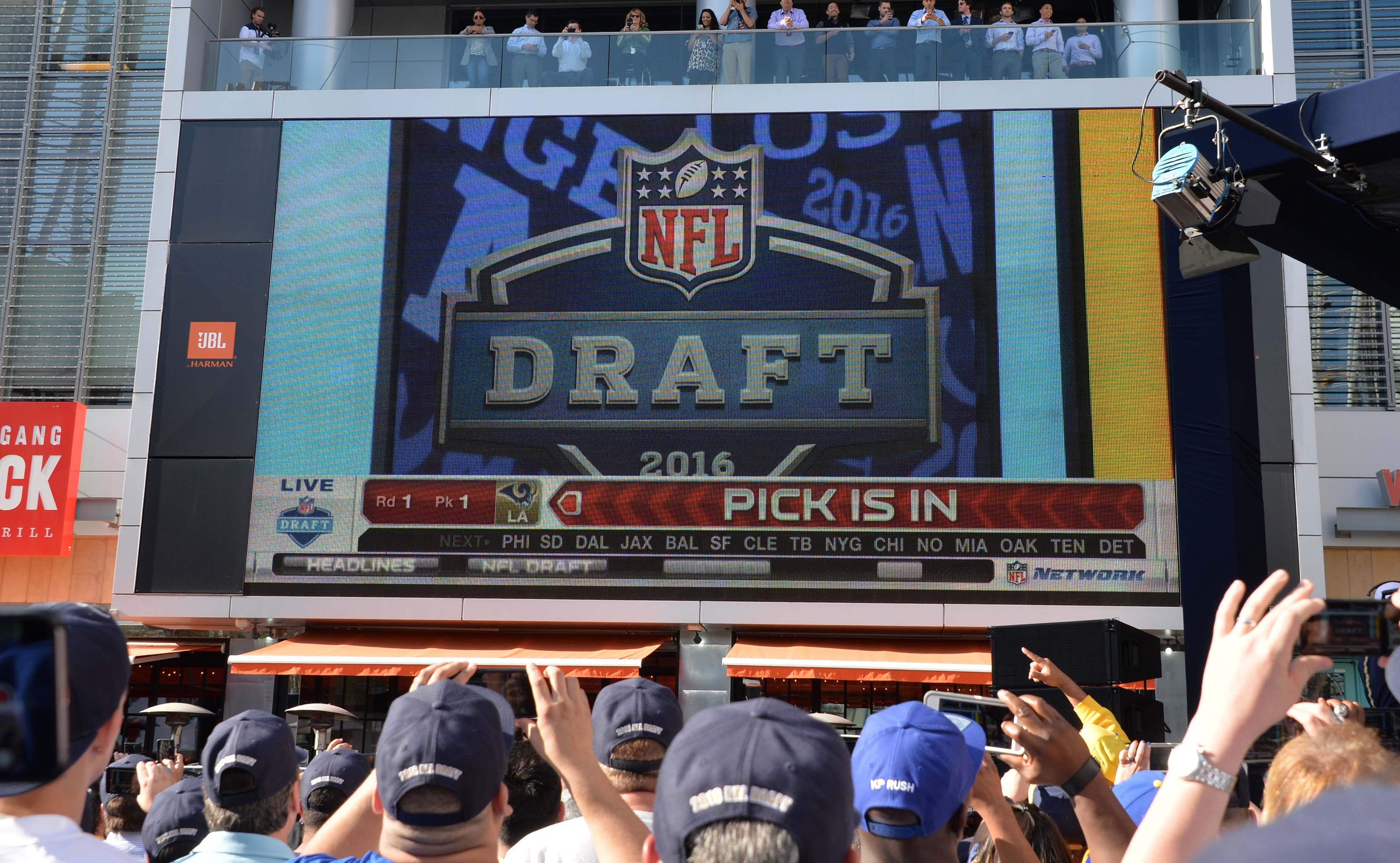 9273243-nfl-los-angeles-rams-draft-party