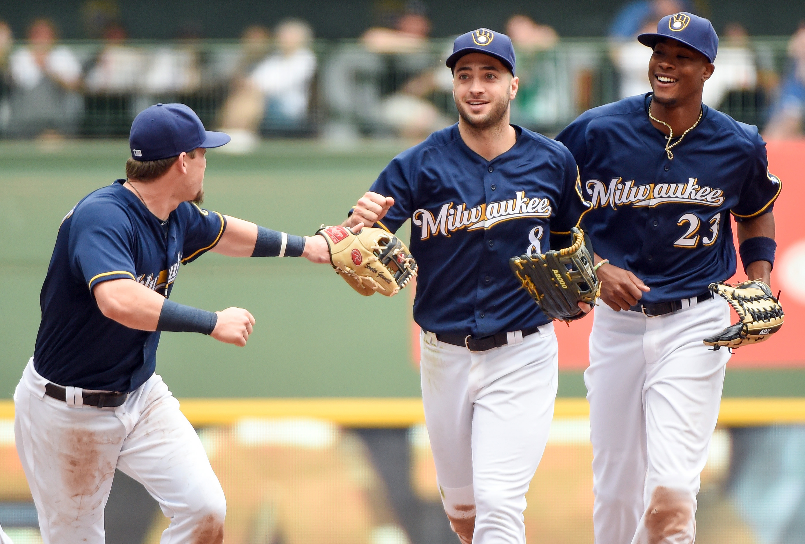 9337722-mlb-new-york-mets-at-milwaukee-brewers