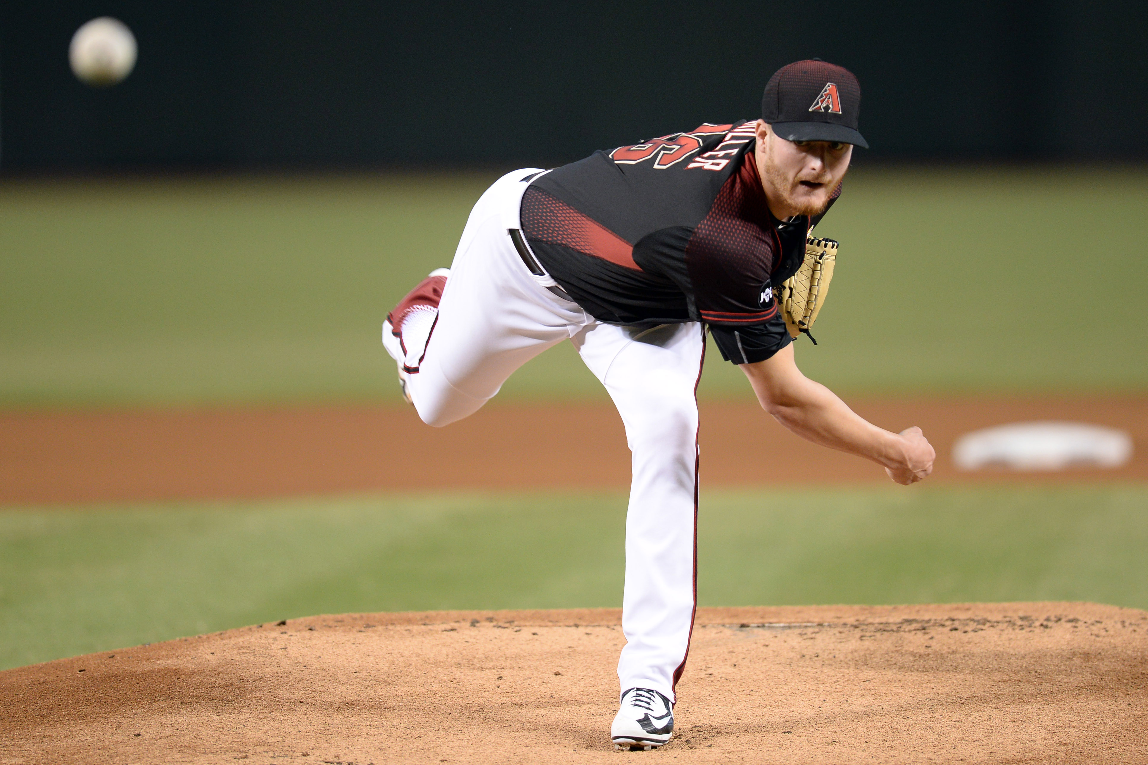 9546638-mlb-los-angeles-dodgers-at-arizona-diamondbacks