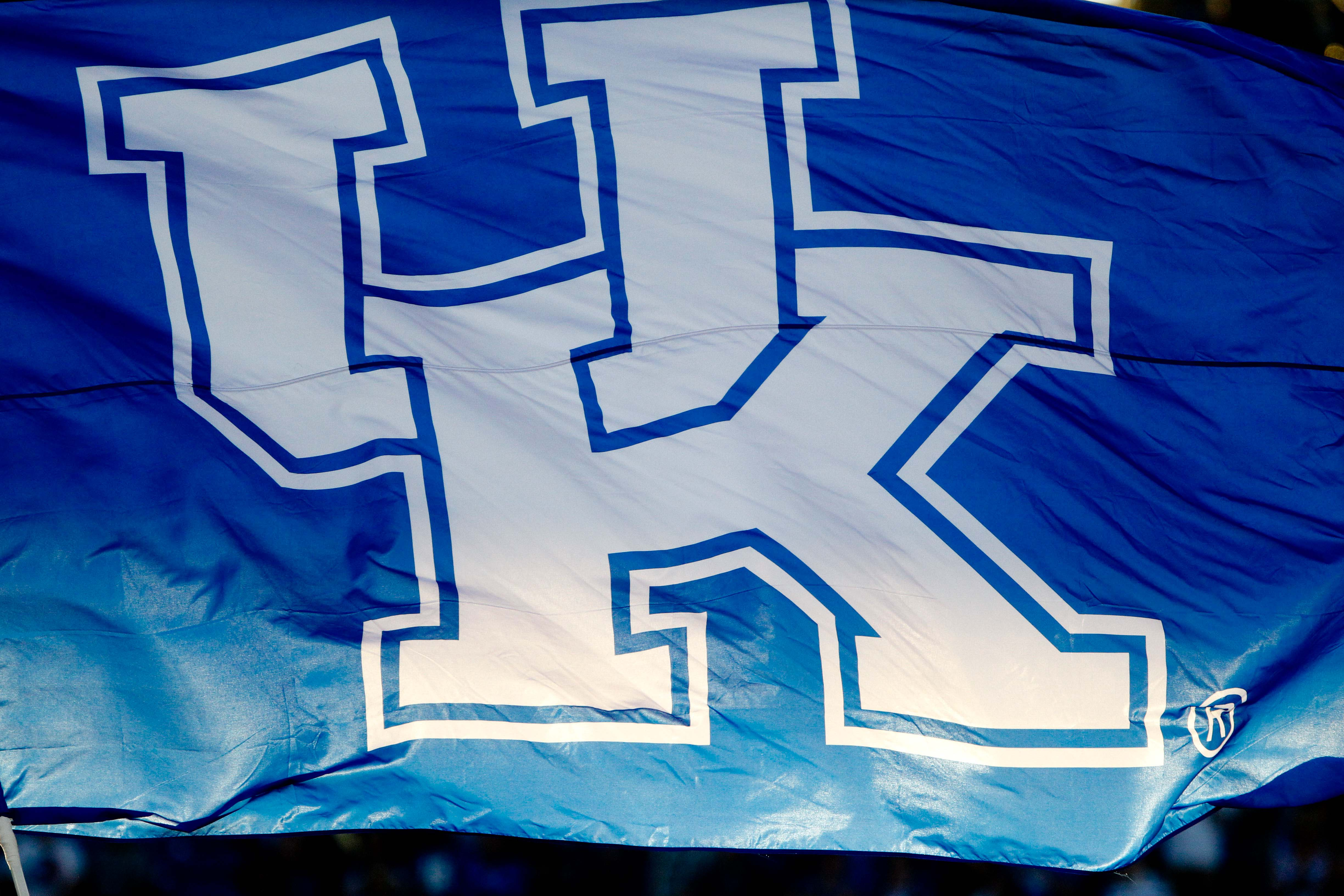 9593947-ncaa-football-southern-mississippi-at-kentucky