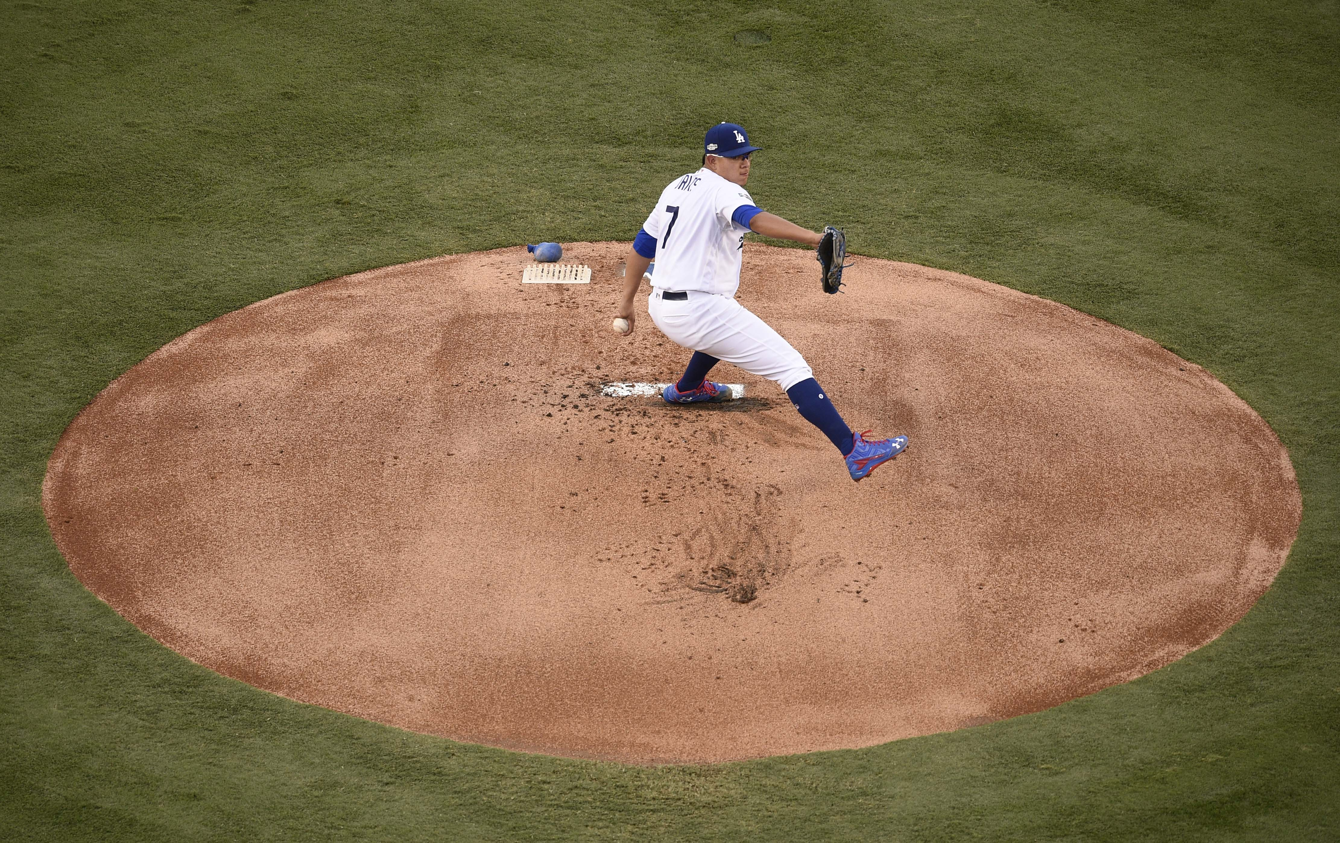 9619204-mlb-nlcs-chicago-cubs-at-los-angeles-dodgers
