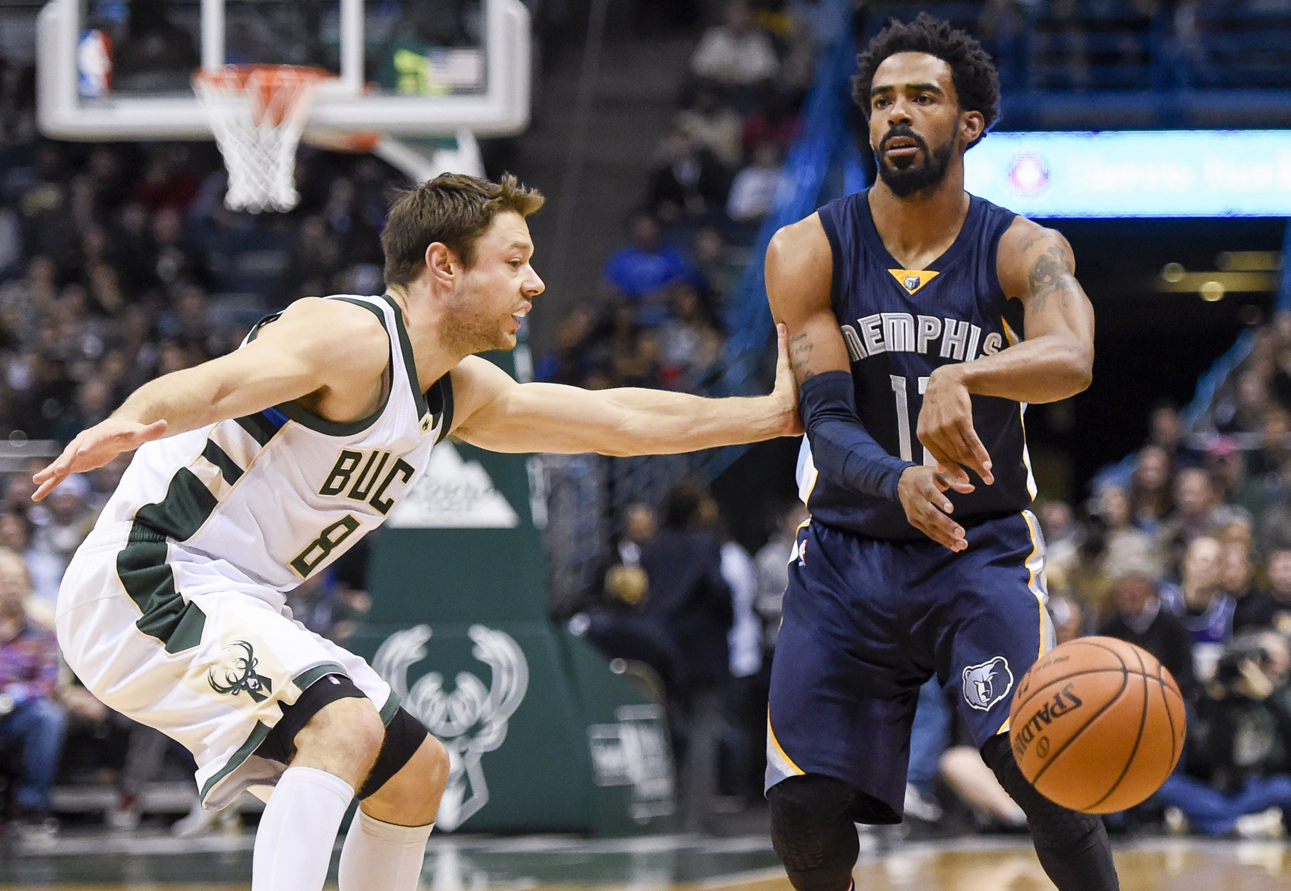 9672668-nba-memphis-grizzlies-at-milwaukee-bucks