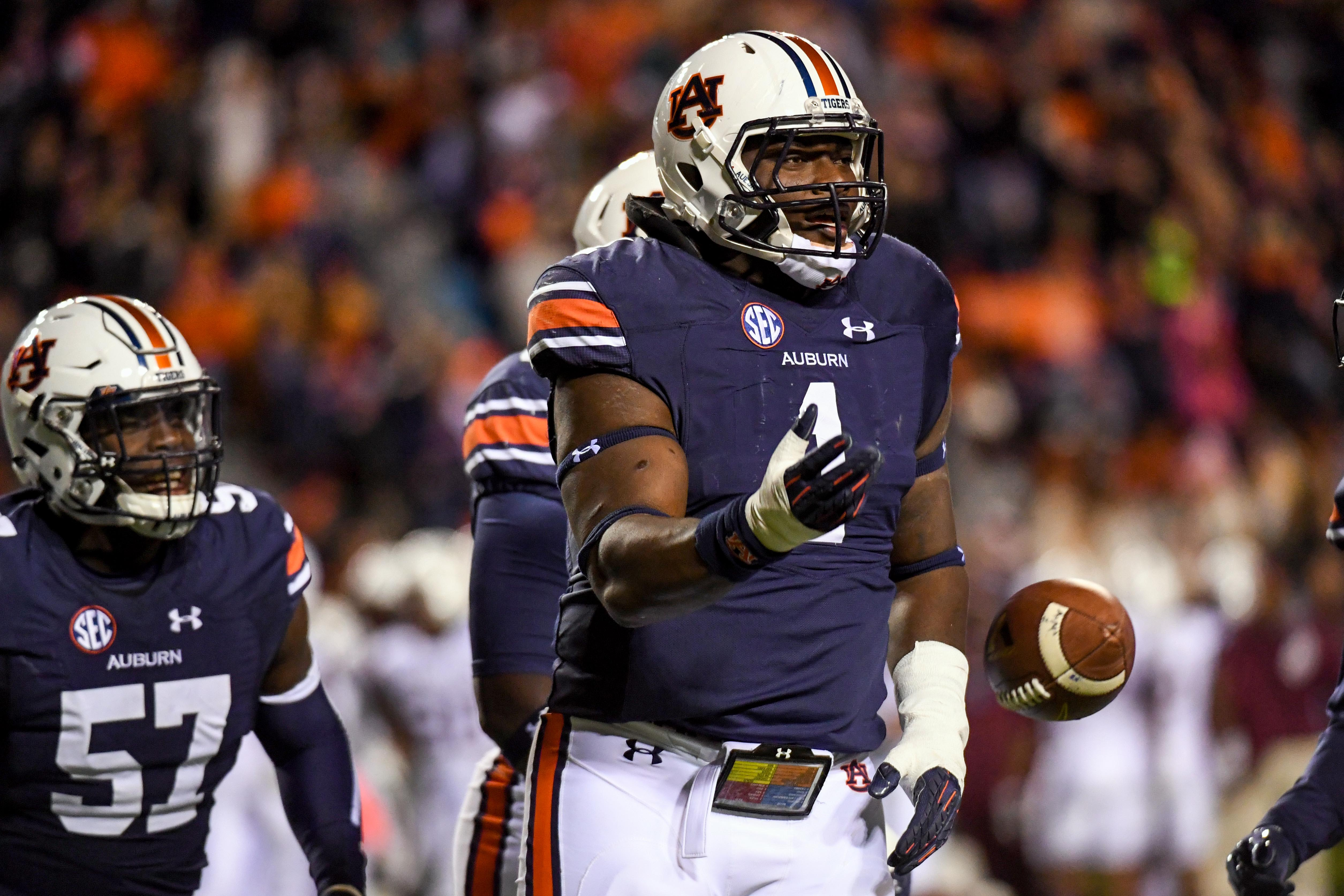 9690808-ncaa-football-alabama-aampampm-at-auburn
