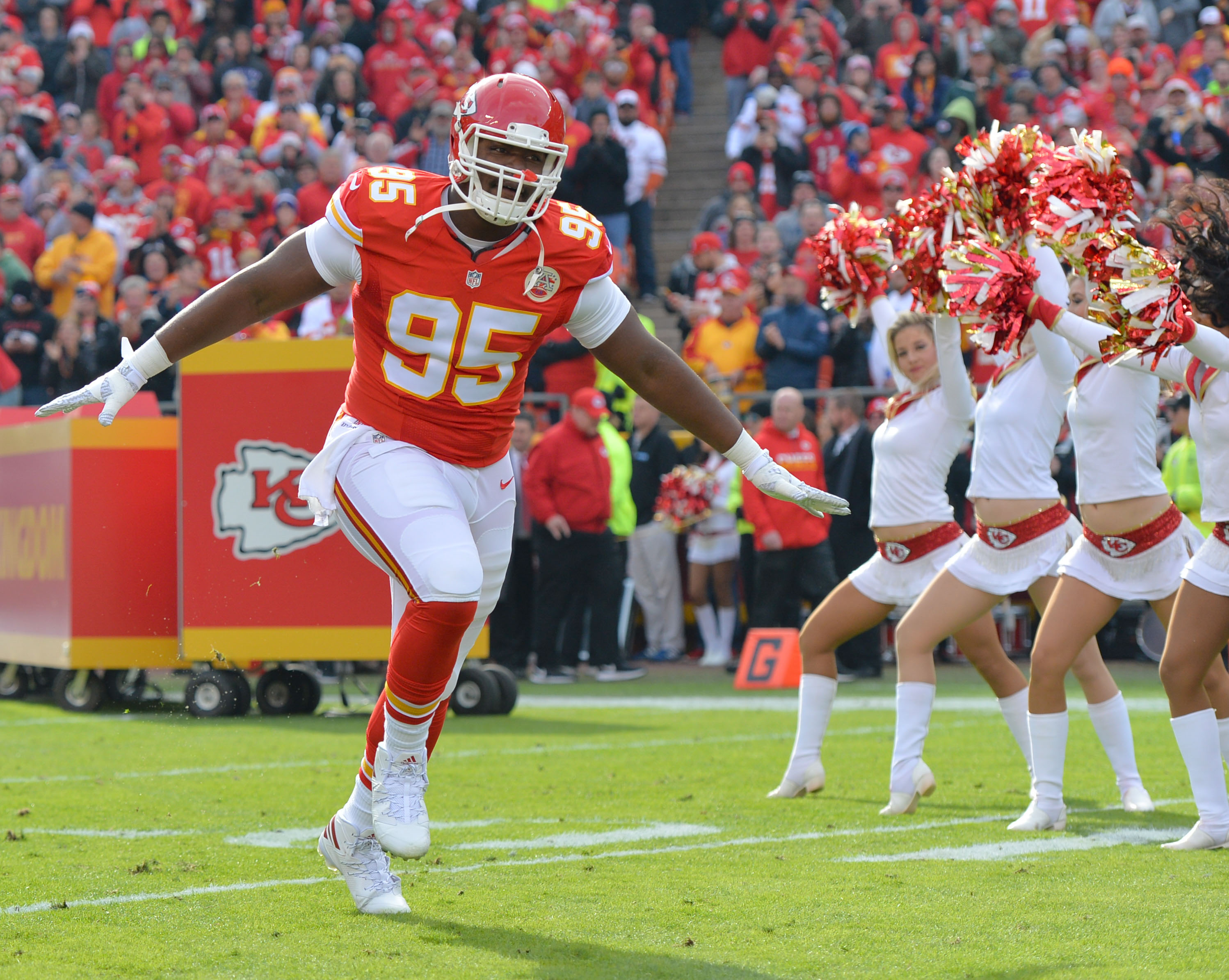 9705058-nfl-tampa-bay-buccaneers-at-kansas-city-chiefs