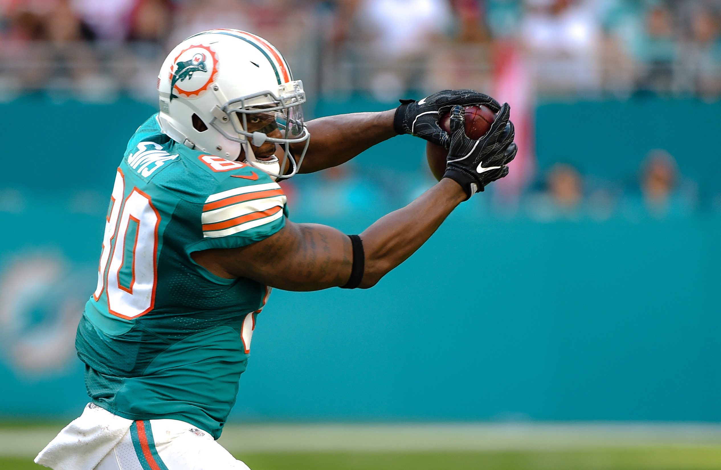 9719148-nfl-san-francisco-49ers-at-miami-dolphins