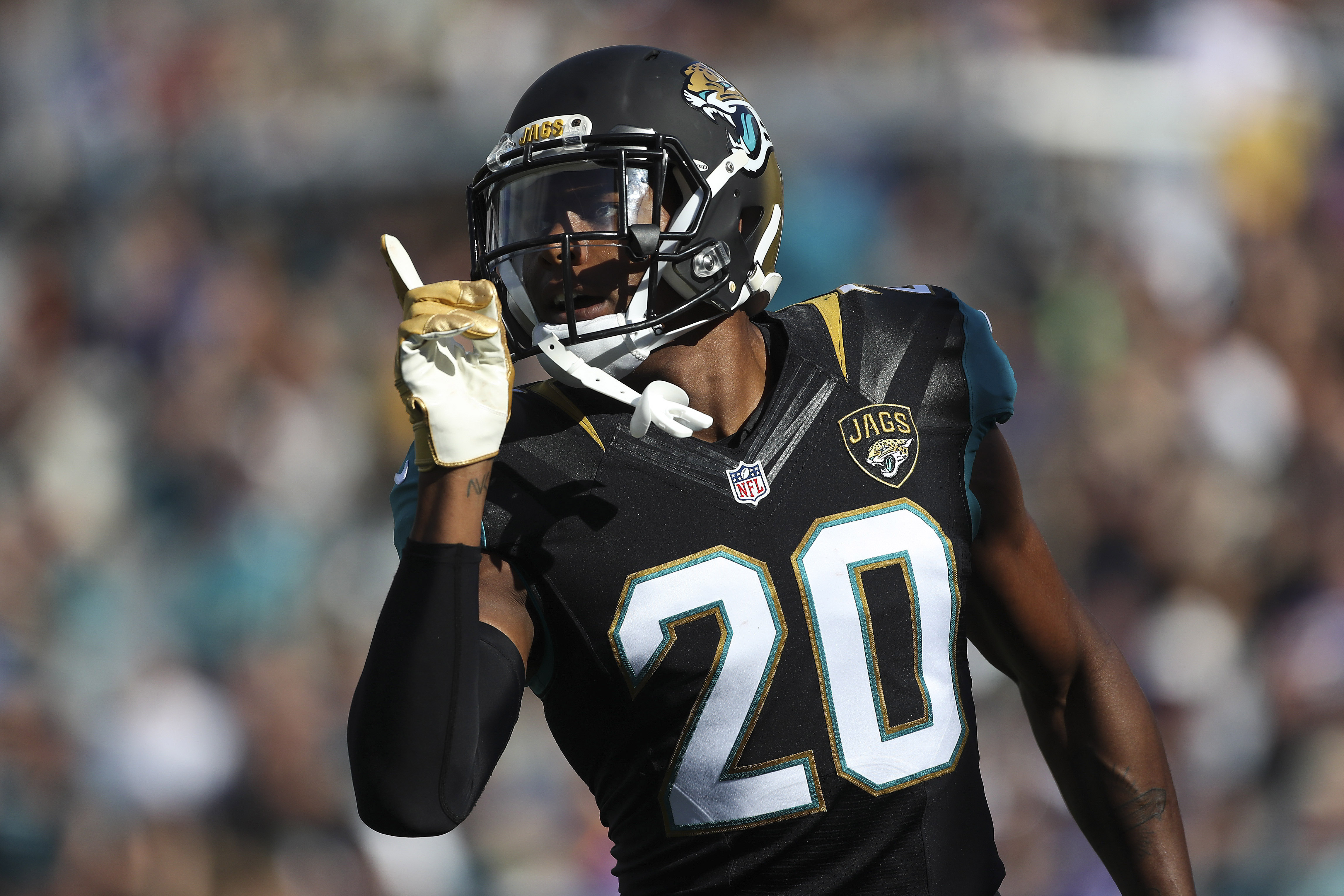 9741098-nfl-minnesota-vikings-at-jacksonville-jaguars