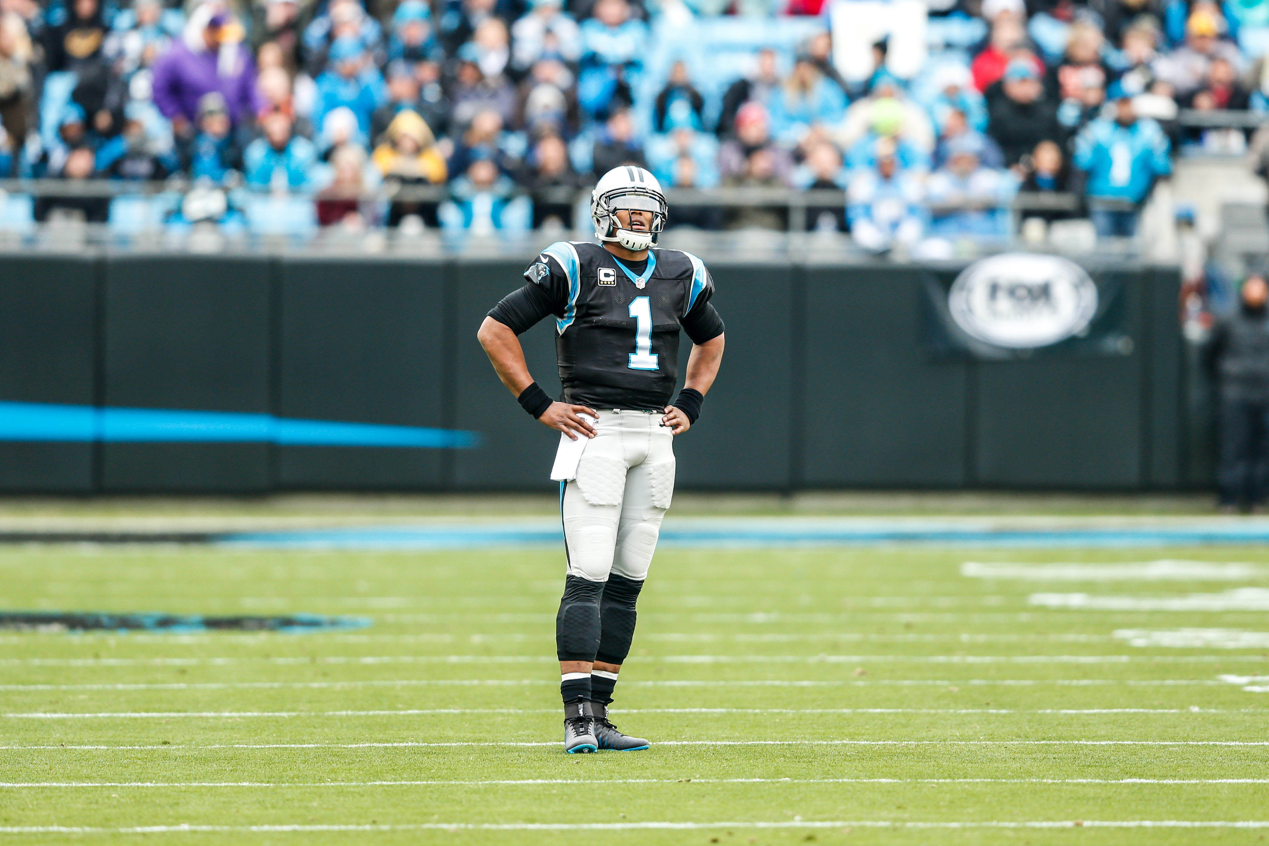 9750507-nfl-san-diego-chargers-at-carolina-panthers