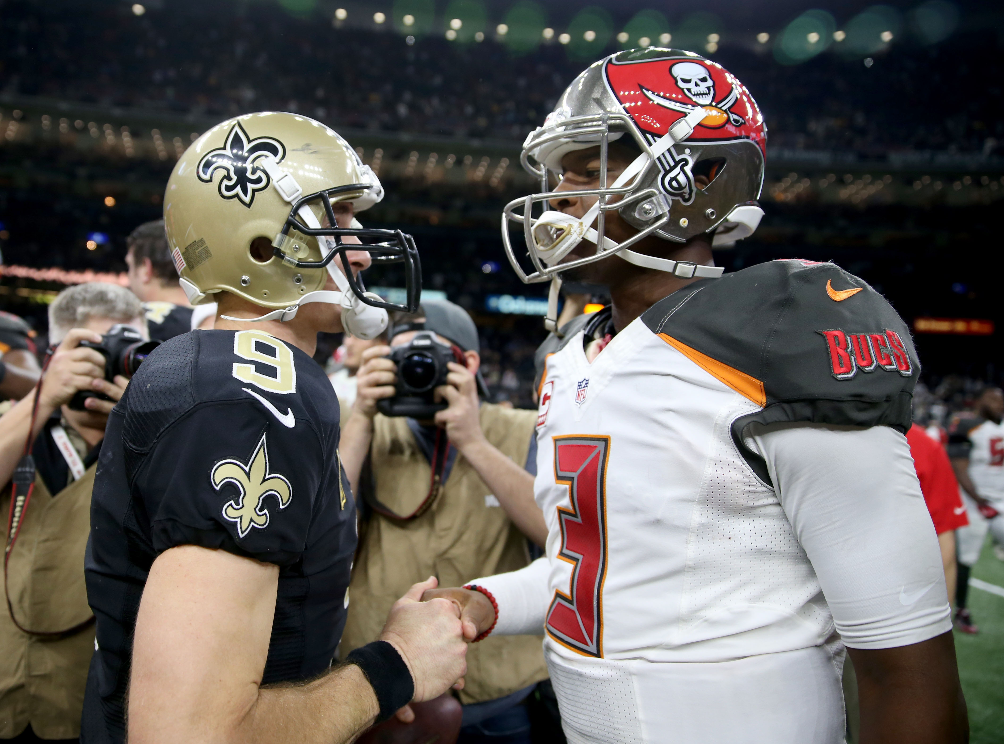 9767593-nfl-tampa-bay-buccaneers-at-new-orleans-saints