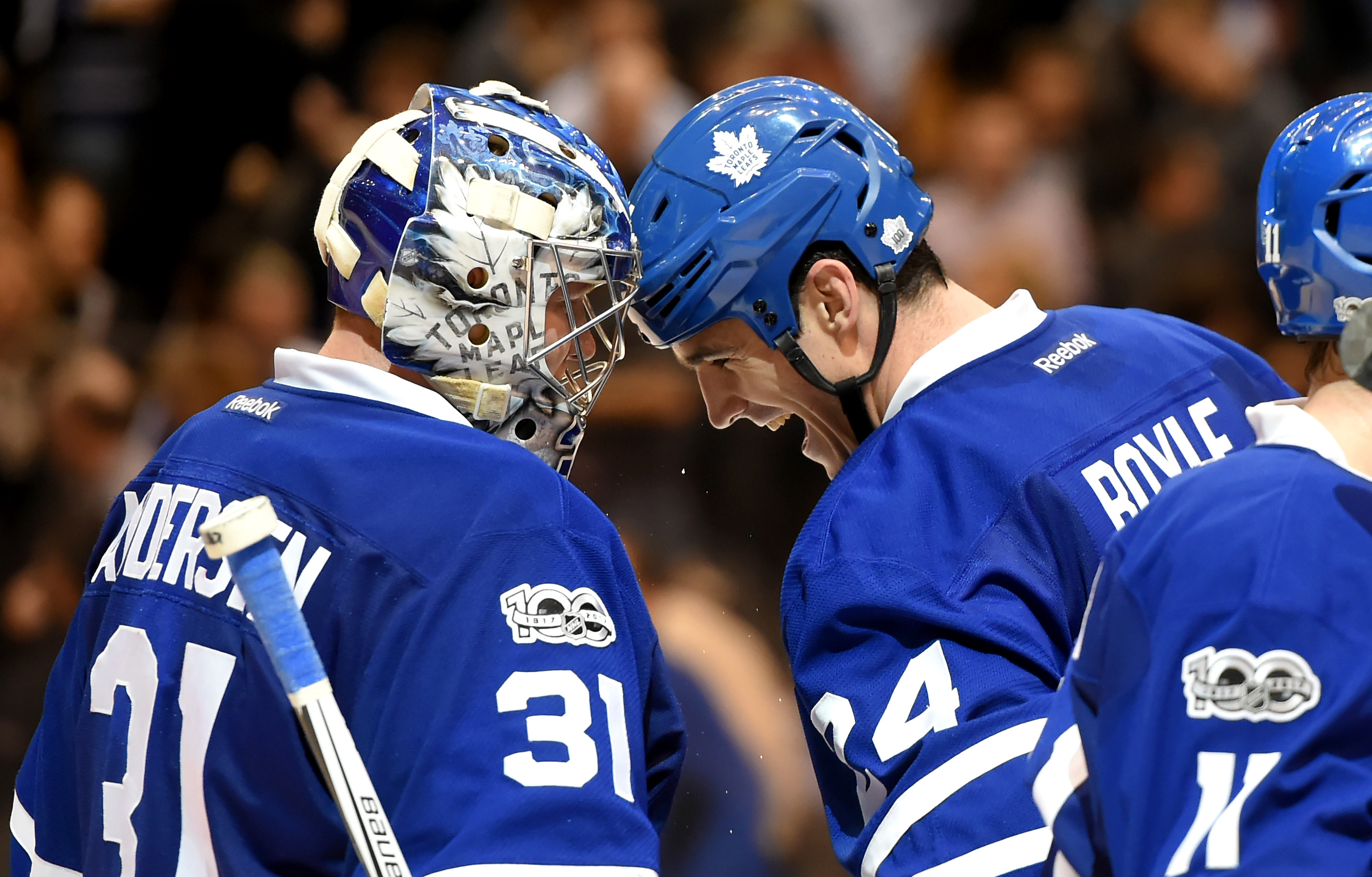 9925320-nhl-detroit-red-wings-at-toronto-maple-leafs