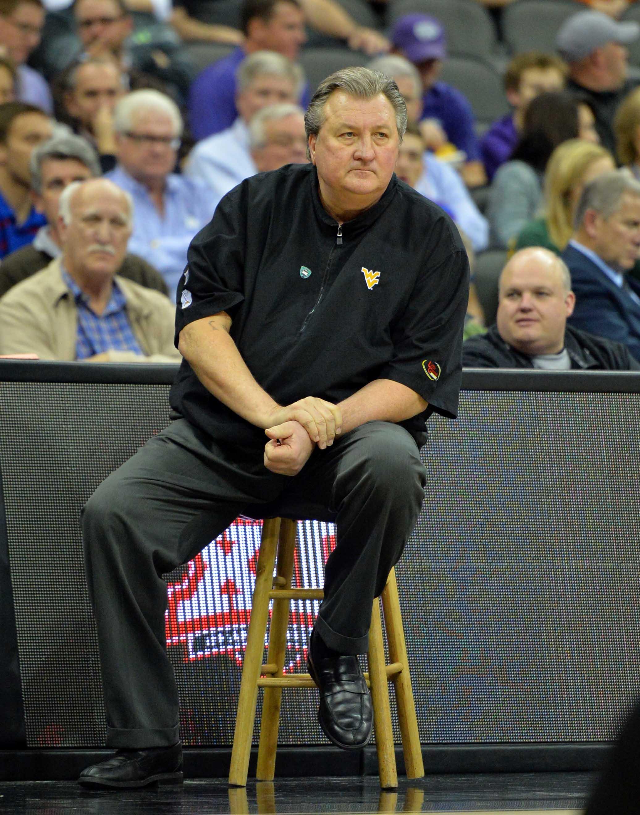 9928756-ncaa-basketball-big-12-championship-west-virginia-vs-texas