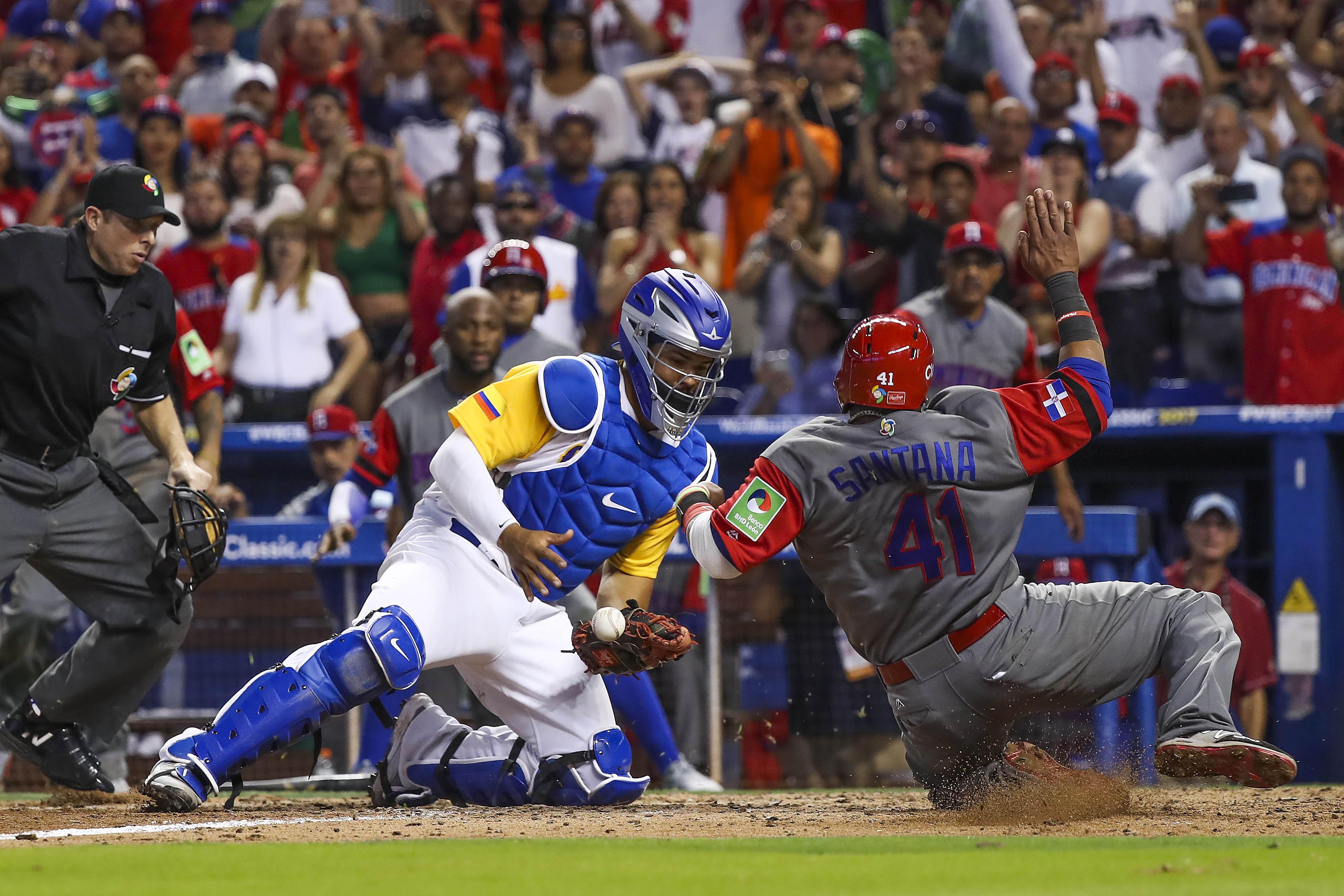 9937985-baseball-world-baseball-classic-dominican-republic-at-colombia