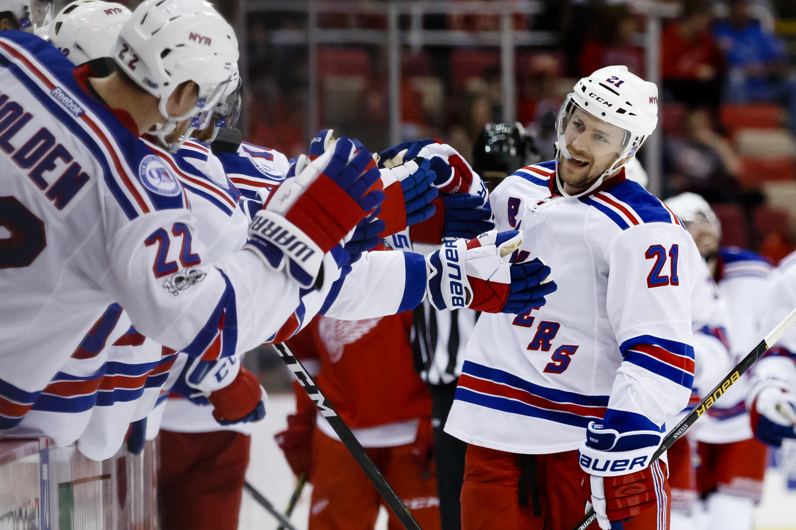 9938808-nhl-new-york-rangers-at-detroit-red-wings