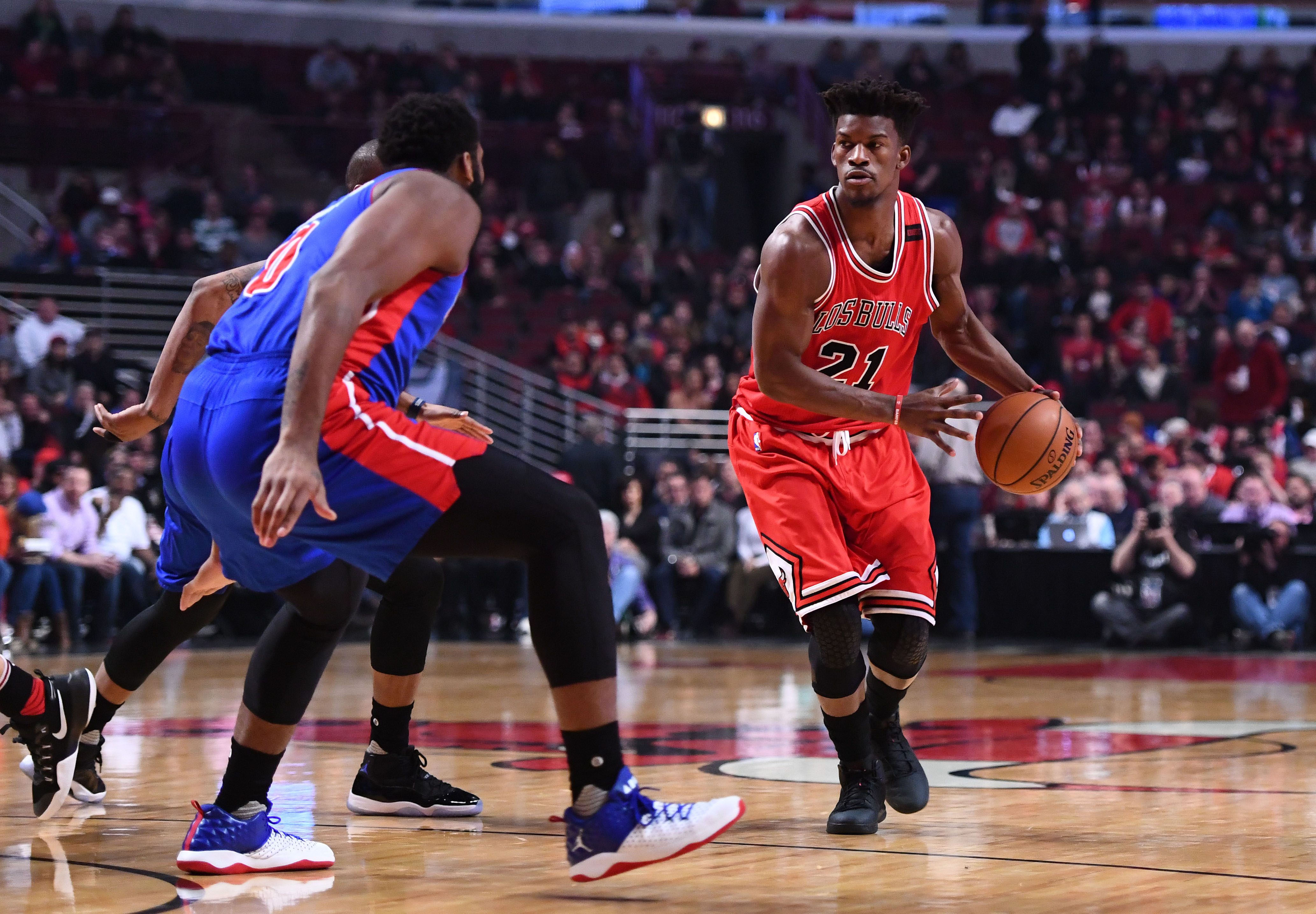 9965075-nba-detroit-pistons-at-chicago-bulls