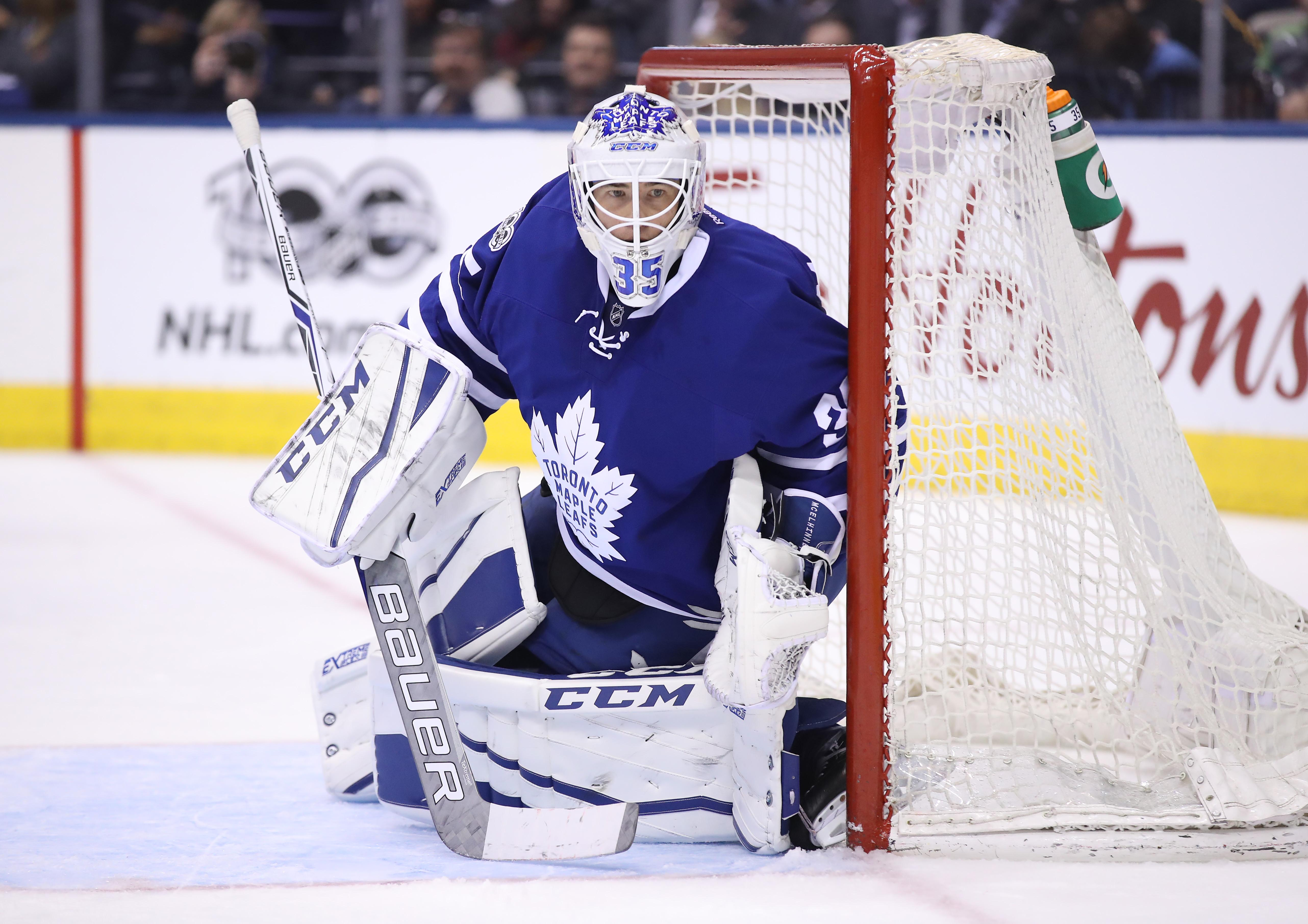 9967196-nhl-new-jersey-devils-at-toronto-maple-leafs