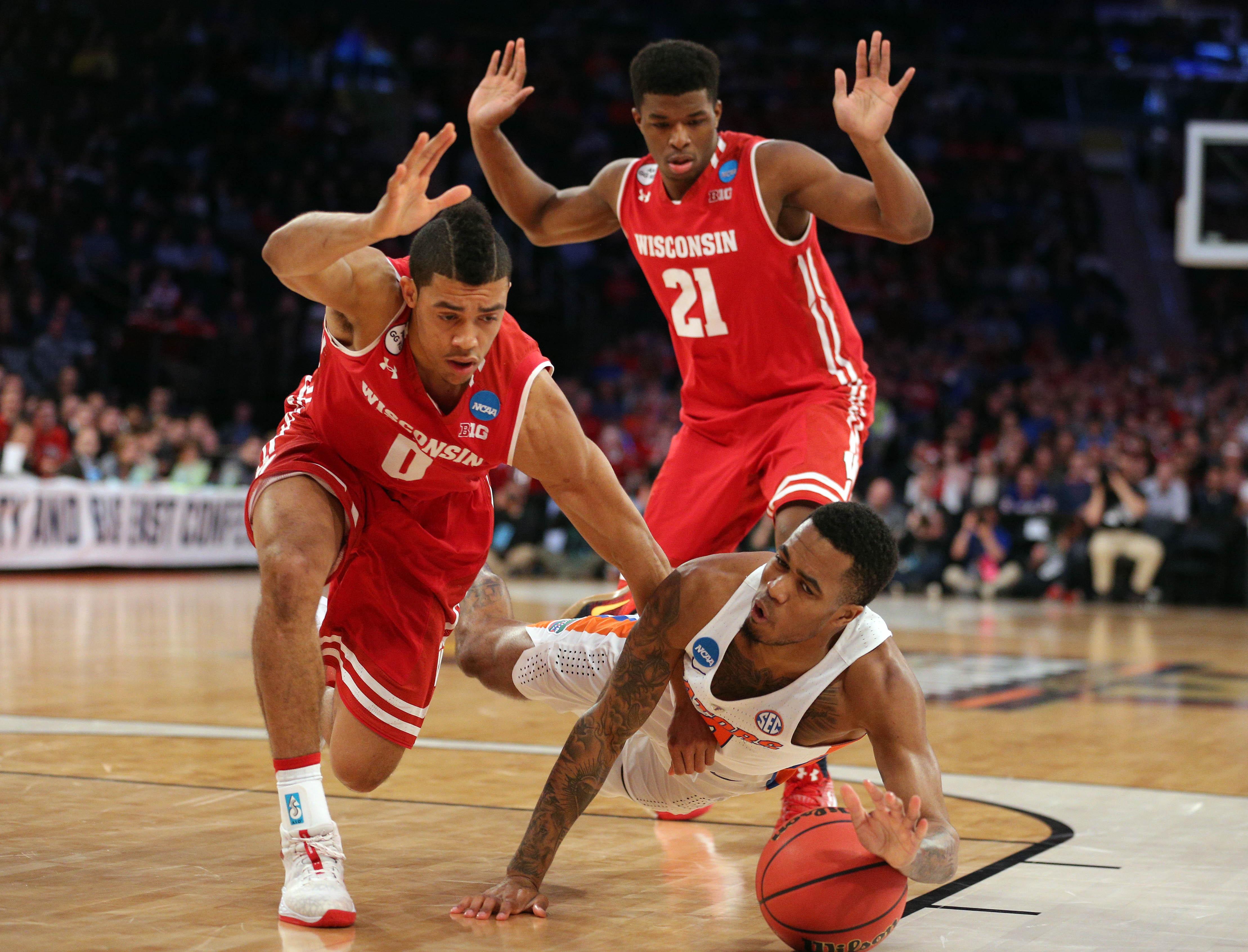 9969095-ncaa-basketball-ncaa-tournament-east-regional-wisconsin-vs-florida