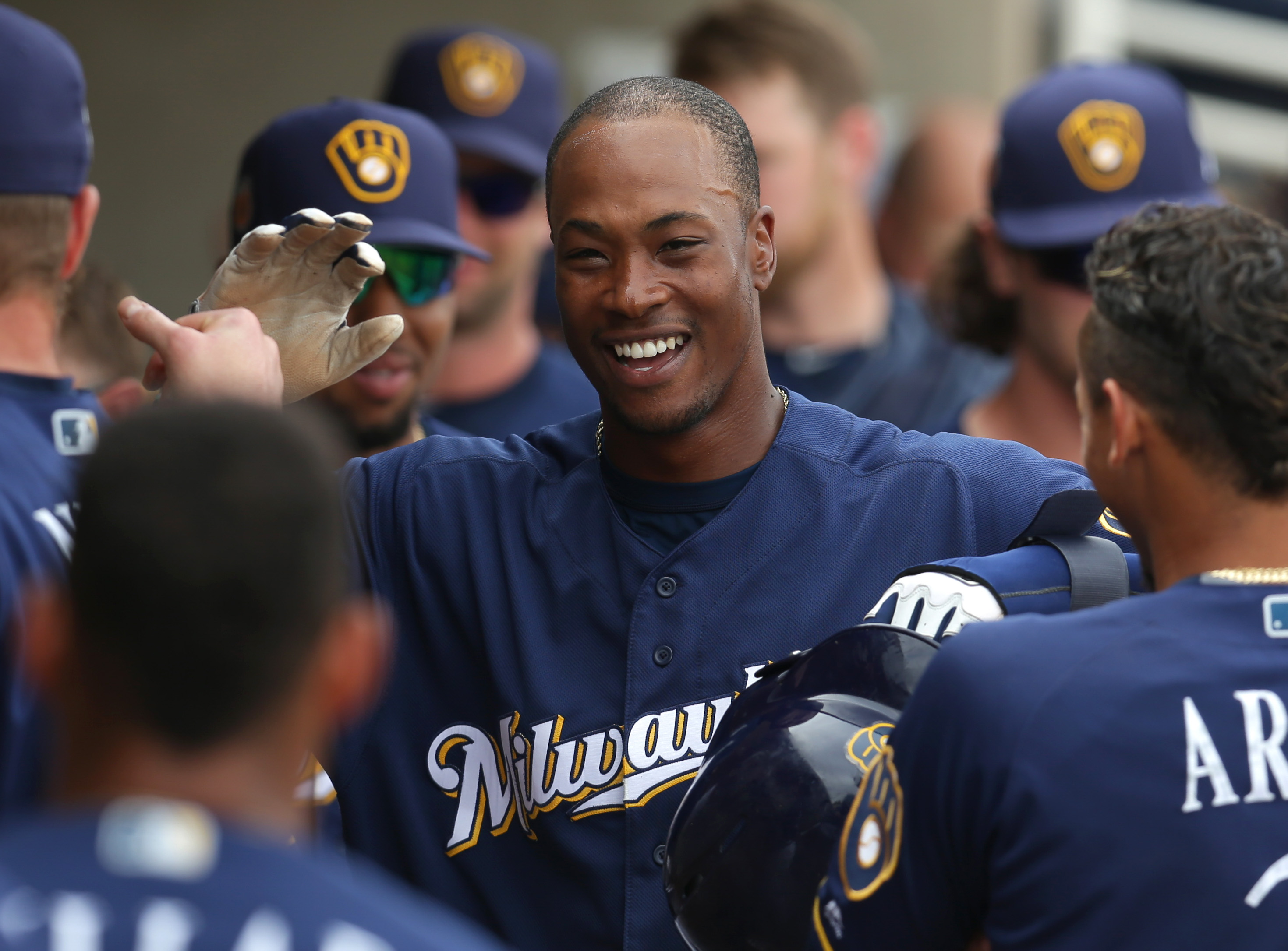 9974565-mlb-spring-training-san-francisco-giants-at-milwaukee-brewers