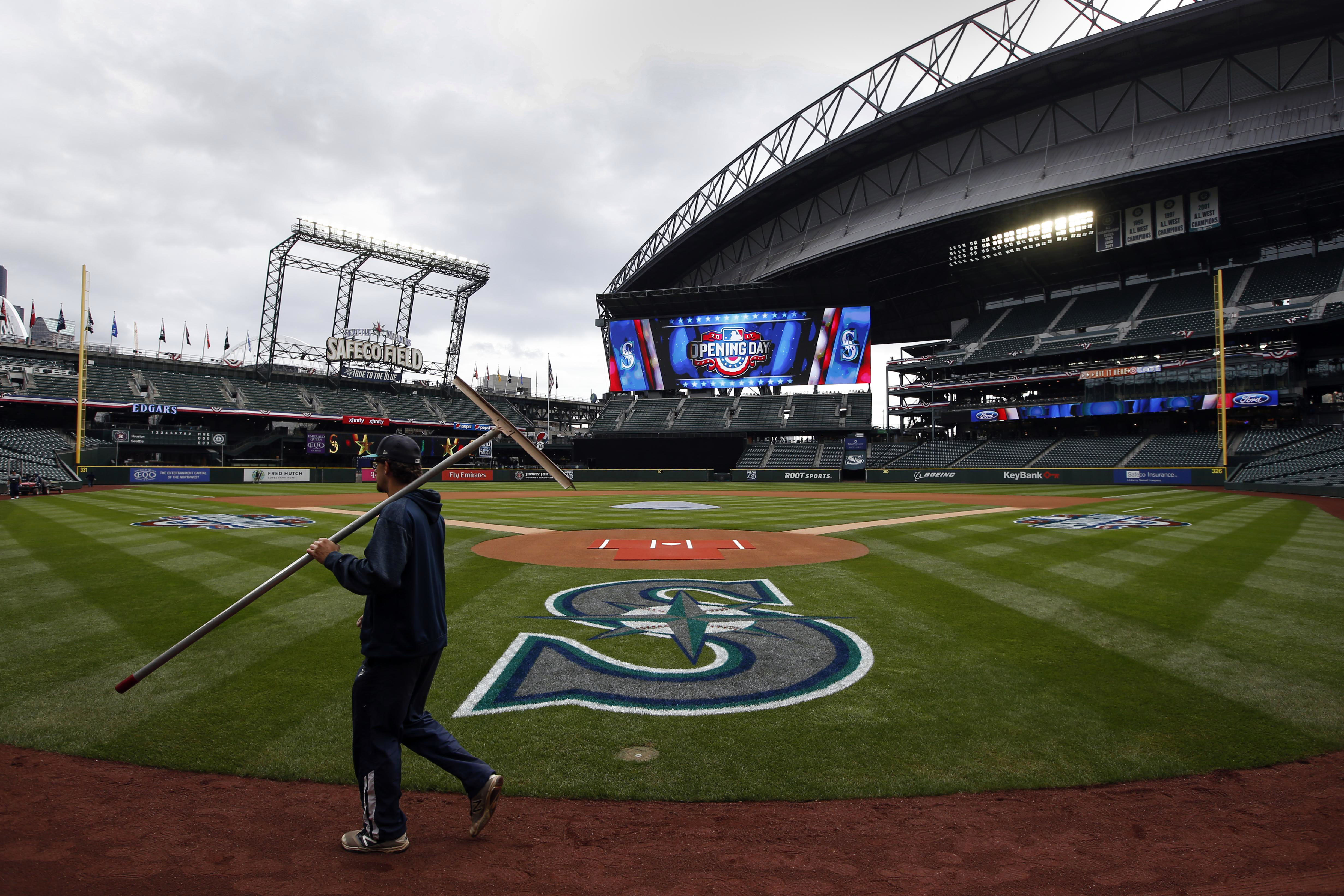 10004819-mlb-houston-astros-at-seattle-mariners