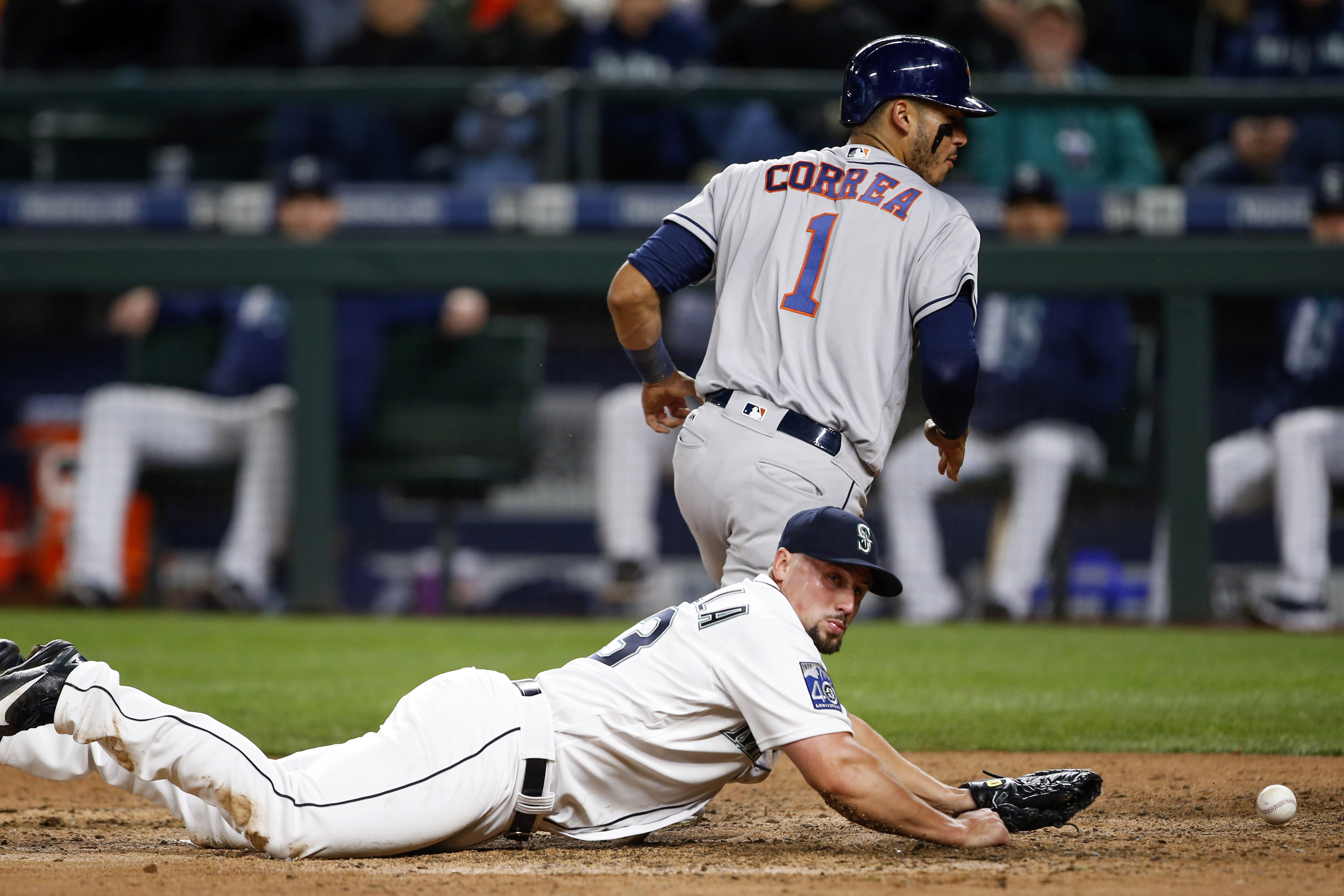 10009699-mlb-houston-astros-at-seattle-mariners