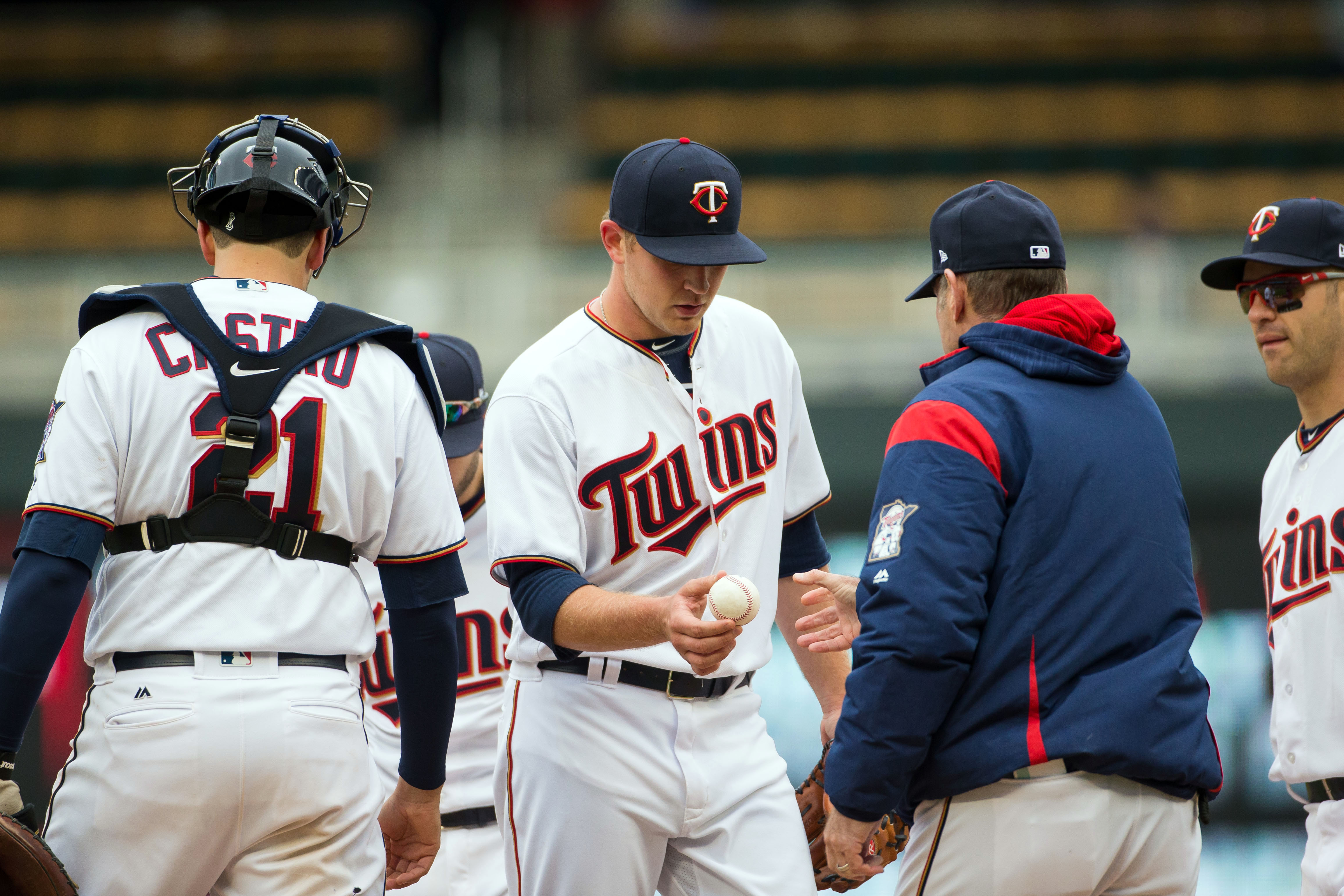 10022369-mlb-cleveland-indians-at-minnesota-twins
