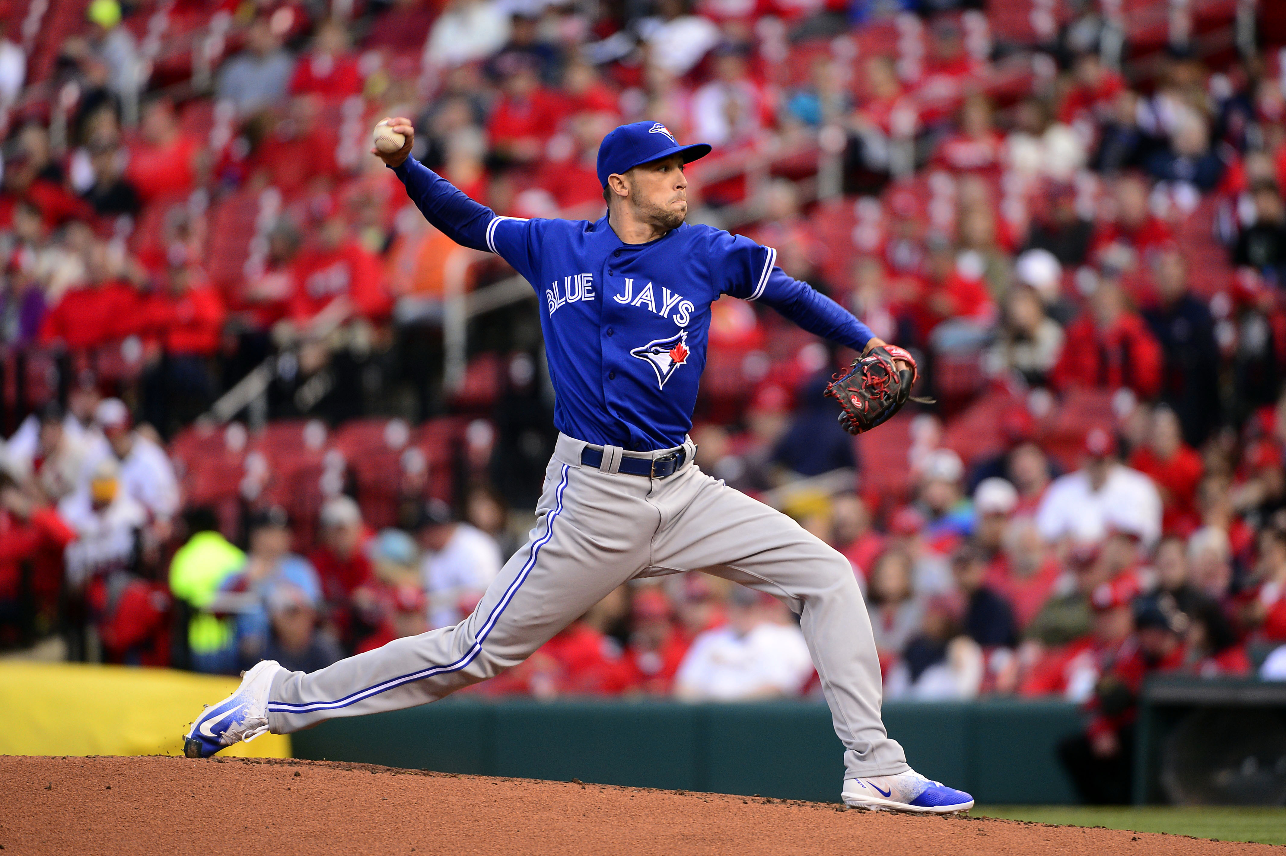 10033392-mlb-game-two-toronto-blue-jays-at-st.-louis-cardinals