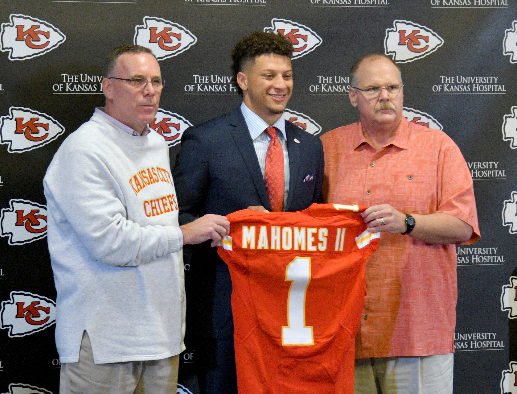 10034628-nfl-kansas-city-chiefs-patrick-mahomes-press-conference