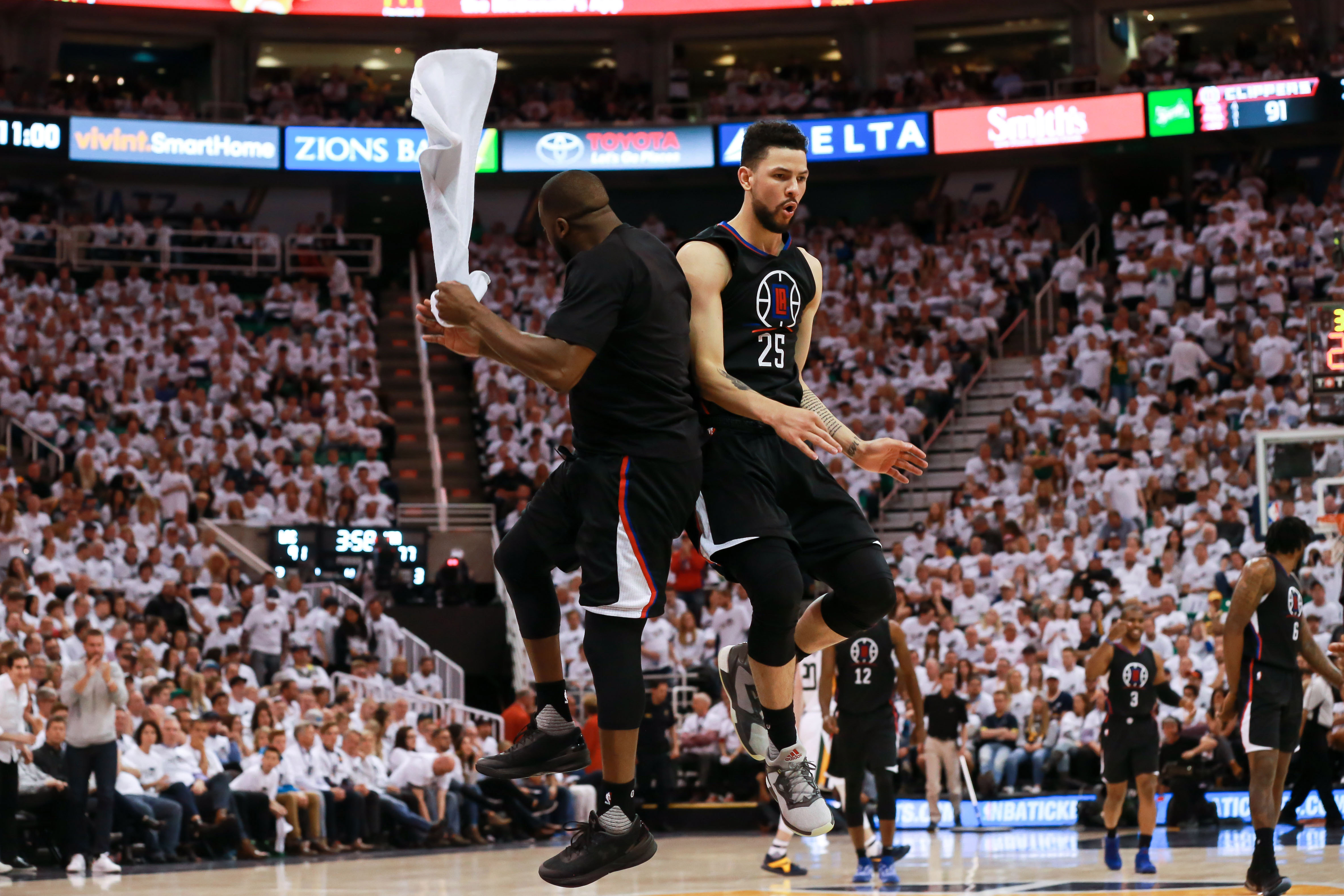 10035468-nba-playoffs-los-angeles-clippers-at-utah-jazz