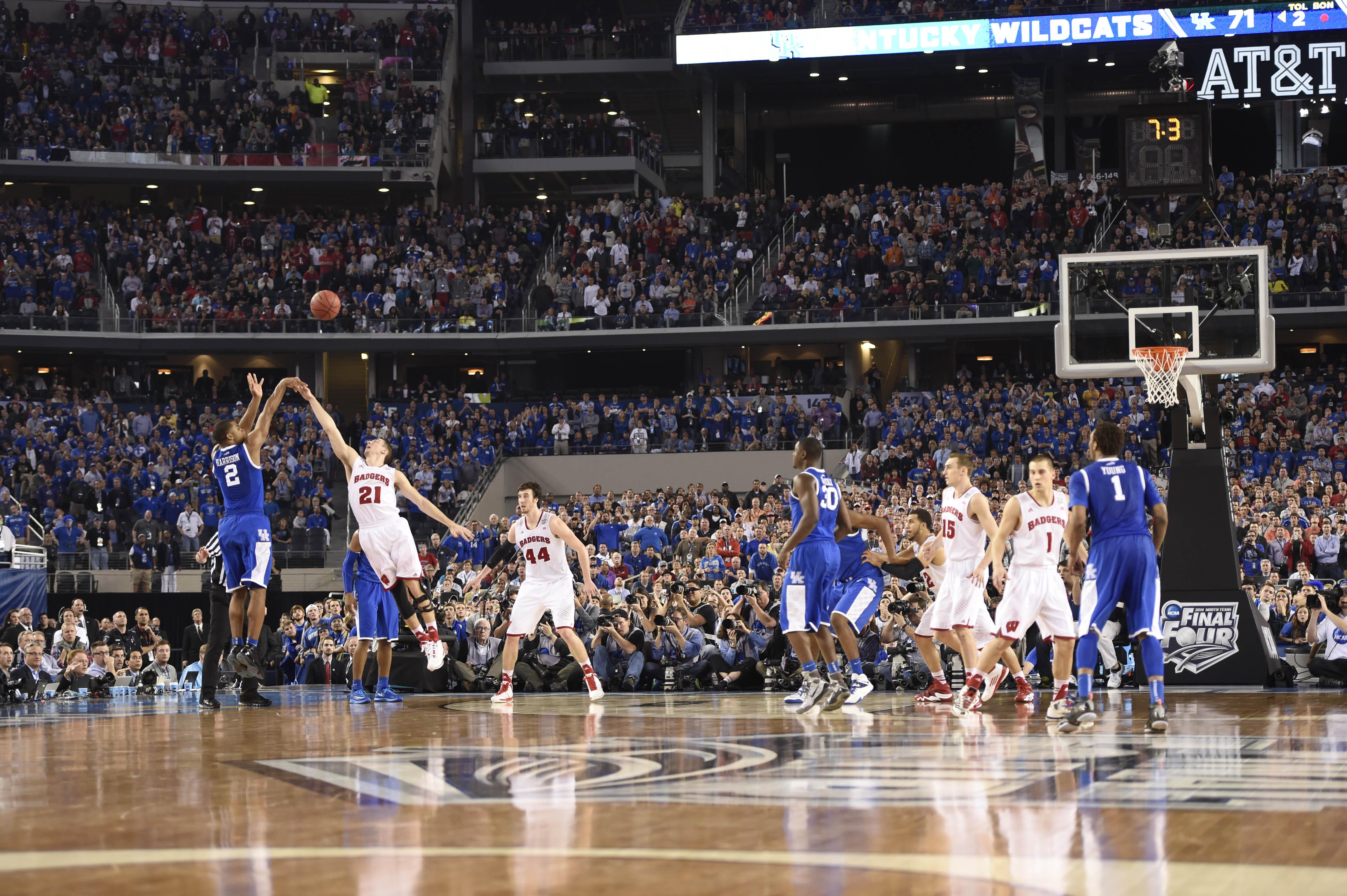 7854982-ncaa-basketball-final-four-wisconsin-vs-kentucky