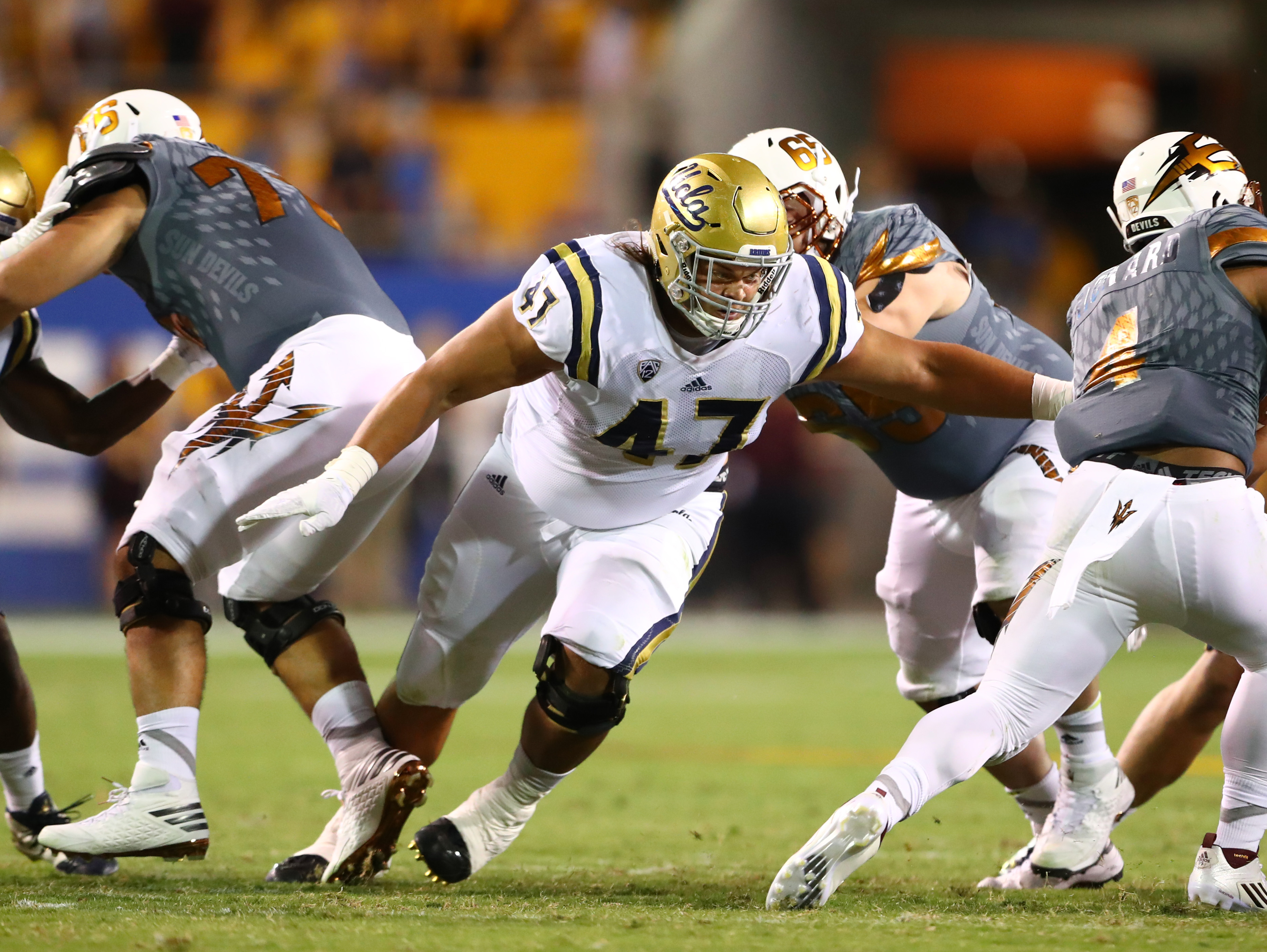 9597494-ncaa-football-ucla-at-arizona-state