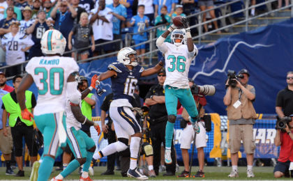 9675571-nfl-miami-dolphins-at-san-diego-chargers-420x260