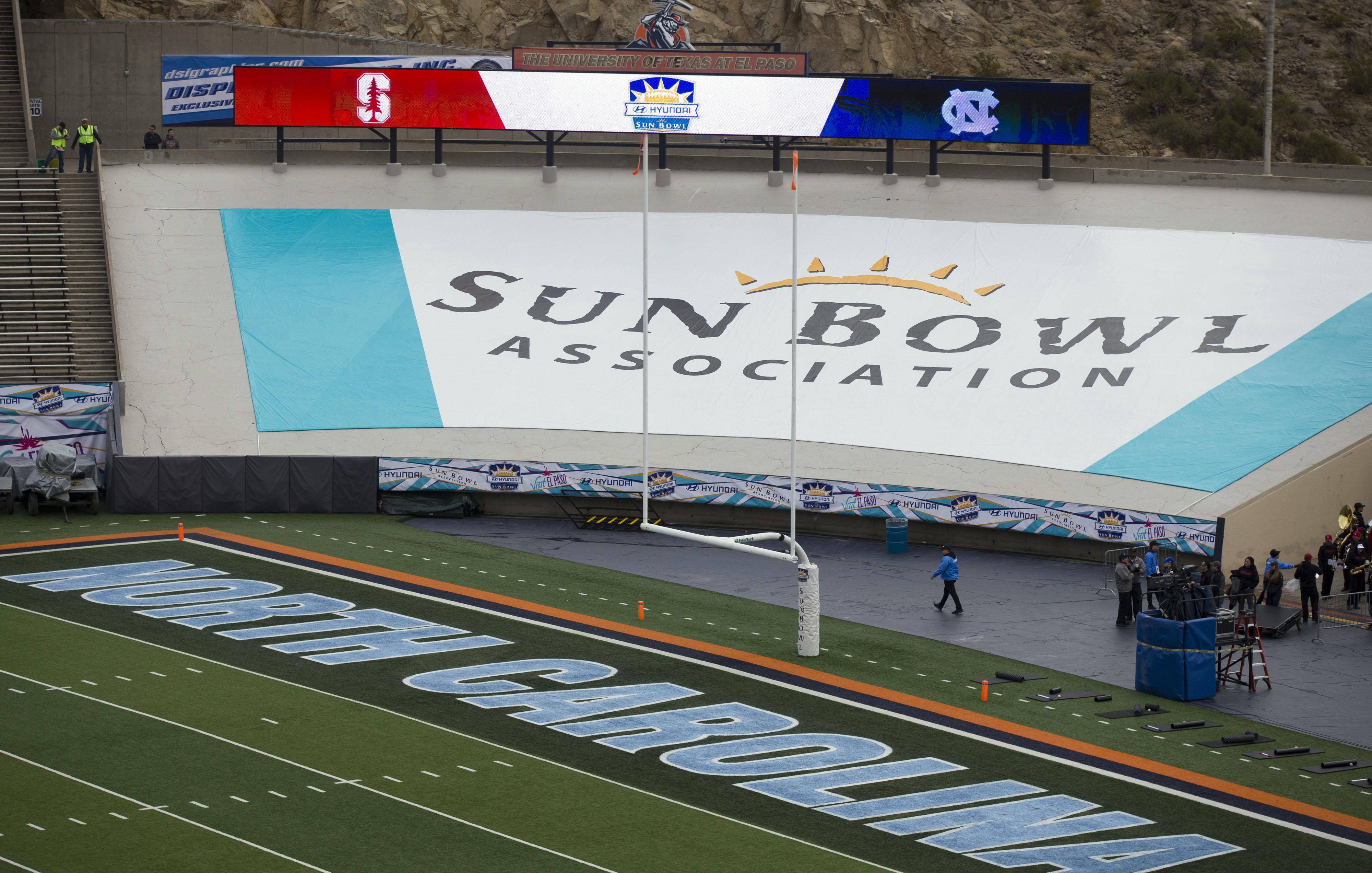 9777102-ncaa-football-sun-bowl-stanford-vs-north-carolina