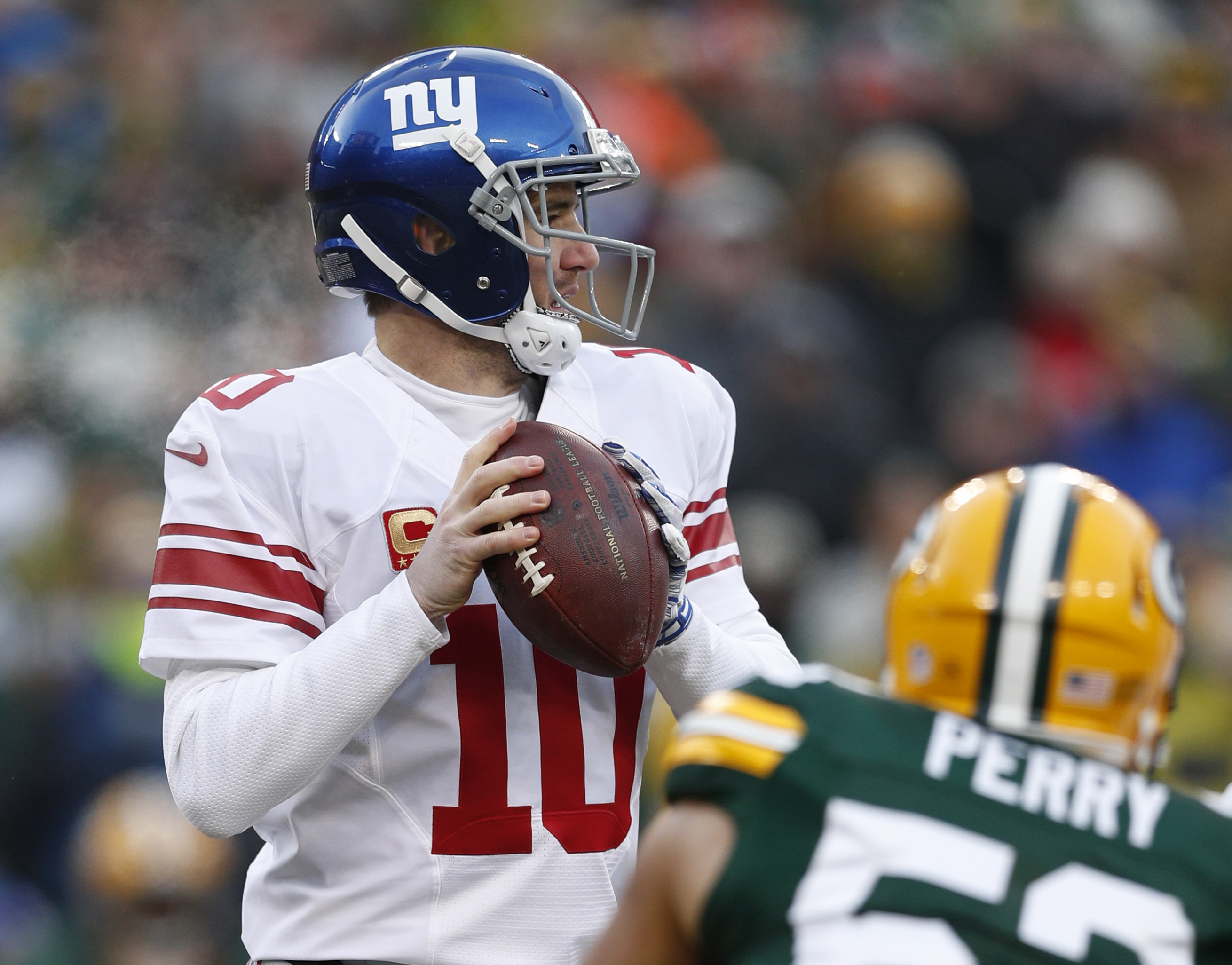 9797798-nfl-nfc-wild-card-new-york-giants-at-green-bay-packers