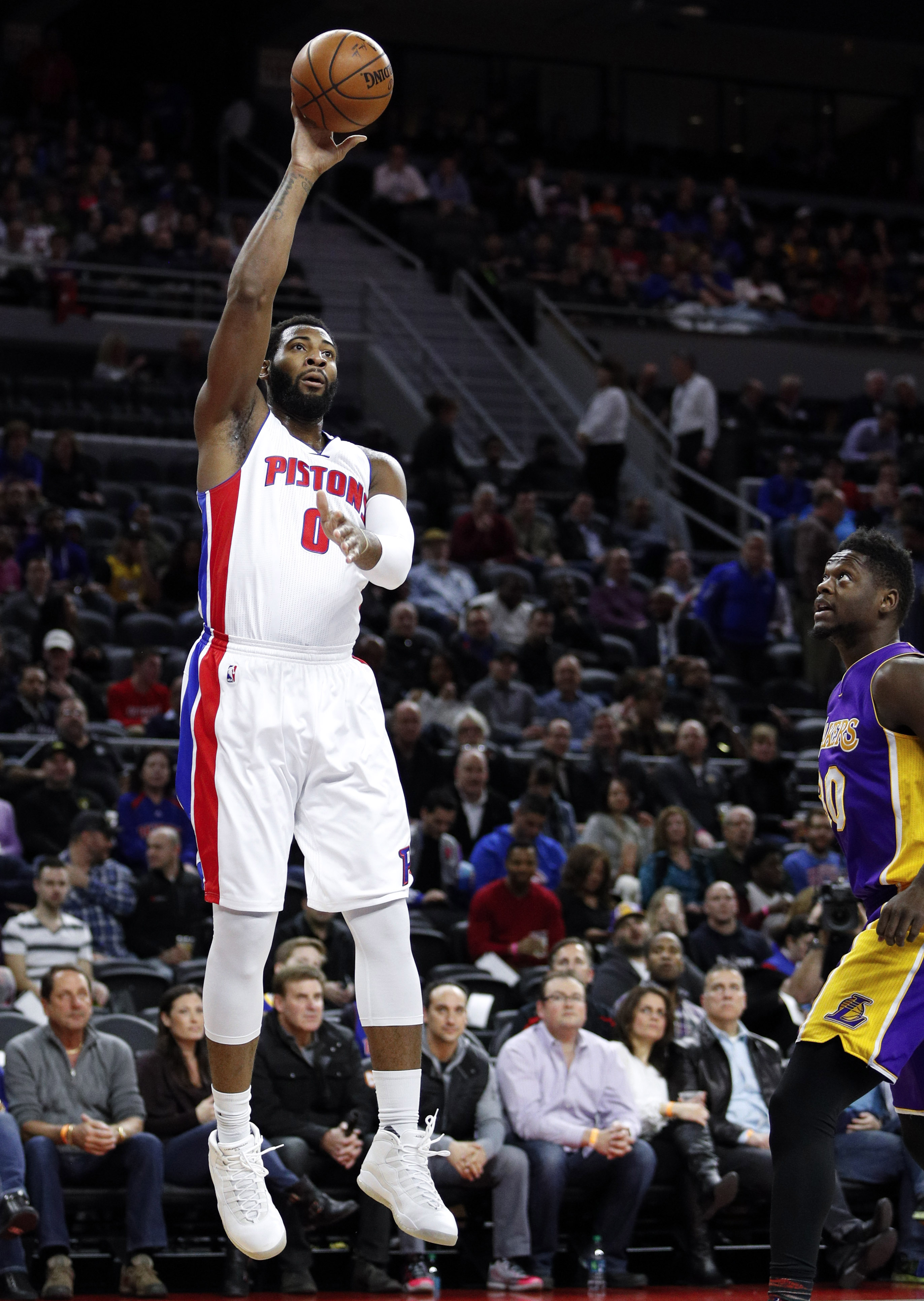 9865955-nba-los-angeles-lakers-at-detroit-pistons