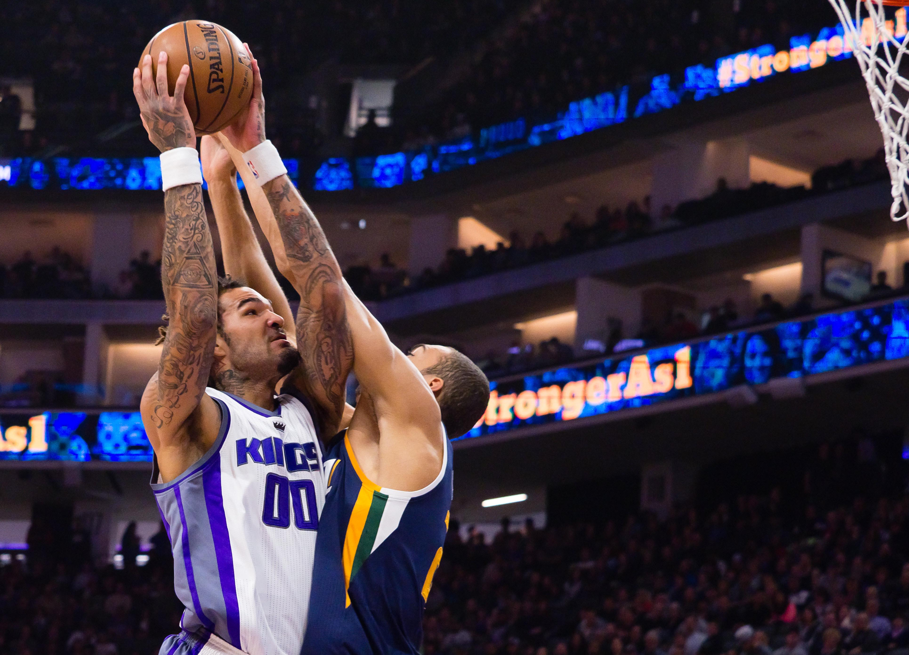 9920451-nba-utah-jazz-at-sacramento-kings