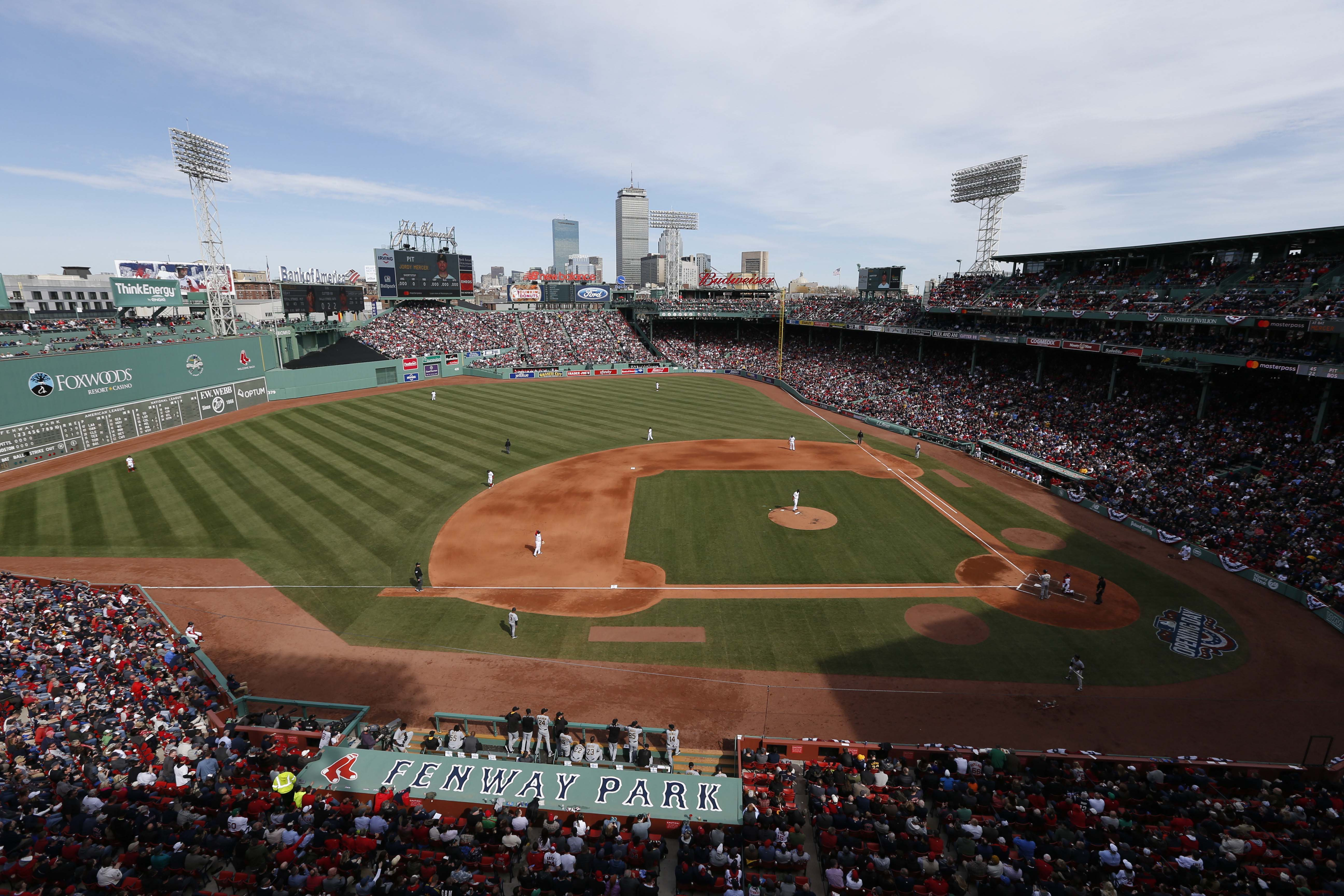 9990948-mlb-pittsburgh-pirates-at-boston-red-sox