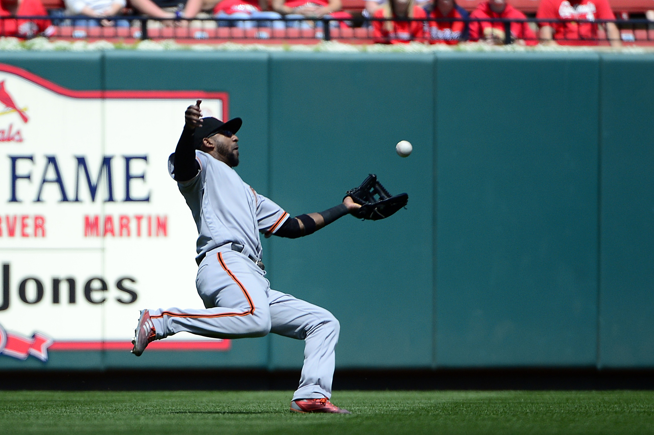 10068562-mlb-san-francisco-giants-at-st.-louis-cardinals