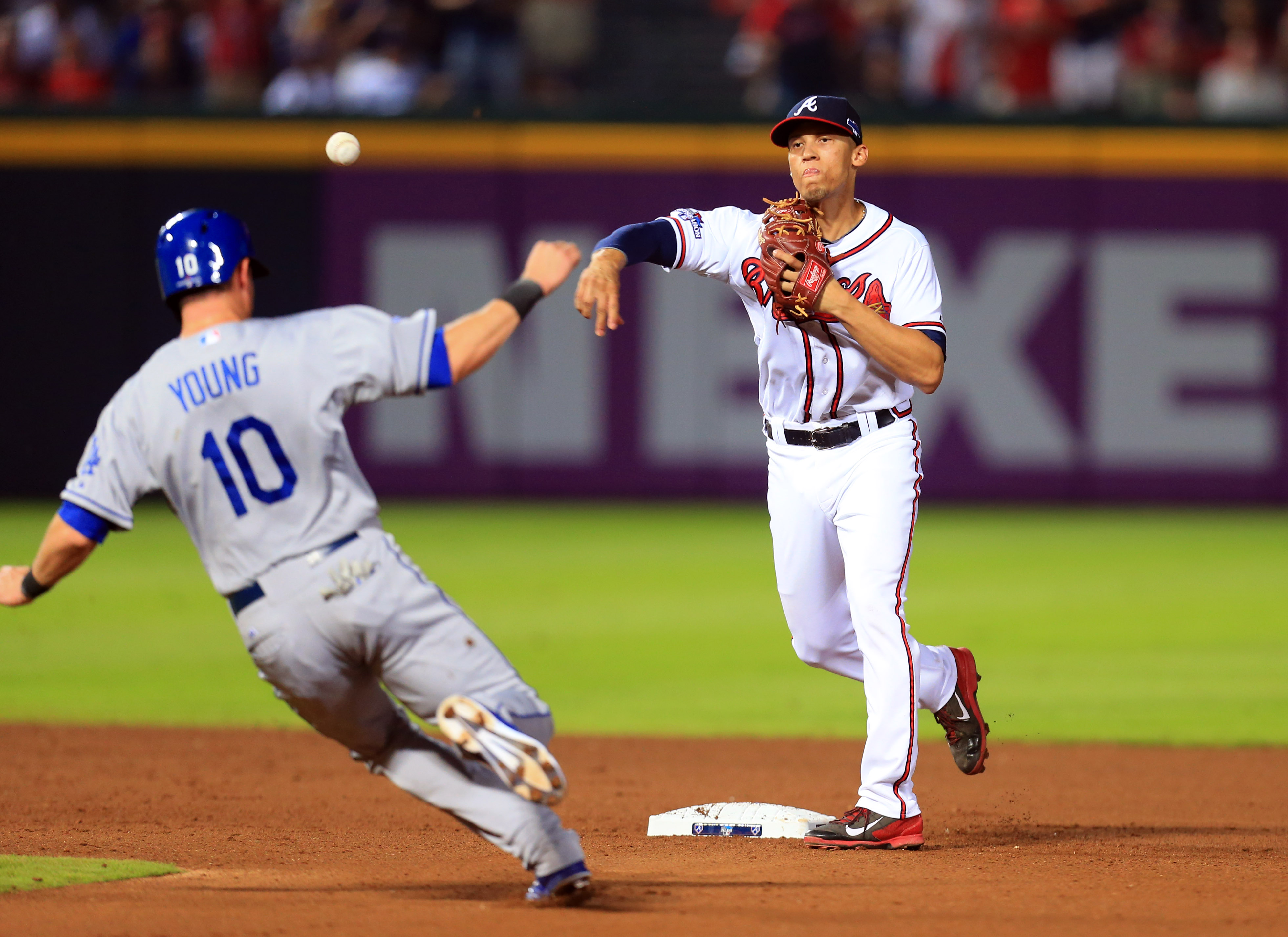 7471902-mlb-nlds-los-angeles-dodgers-at-atlanta-braves