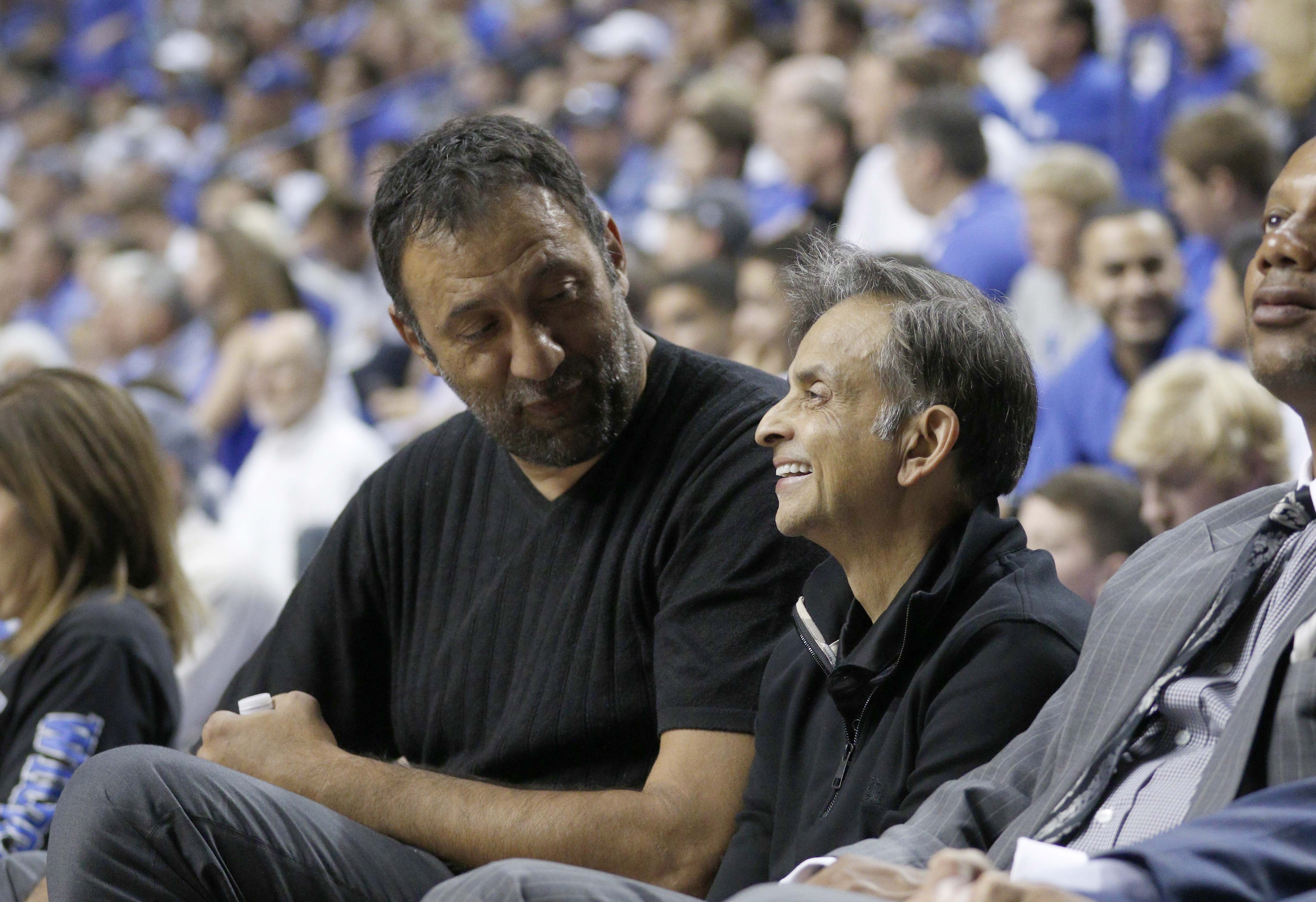 8801397-ncaa-basketball-north-carolina-vs-kentucky-alumni-game
