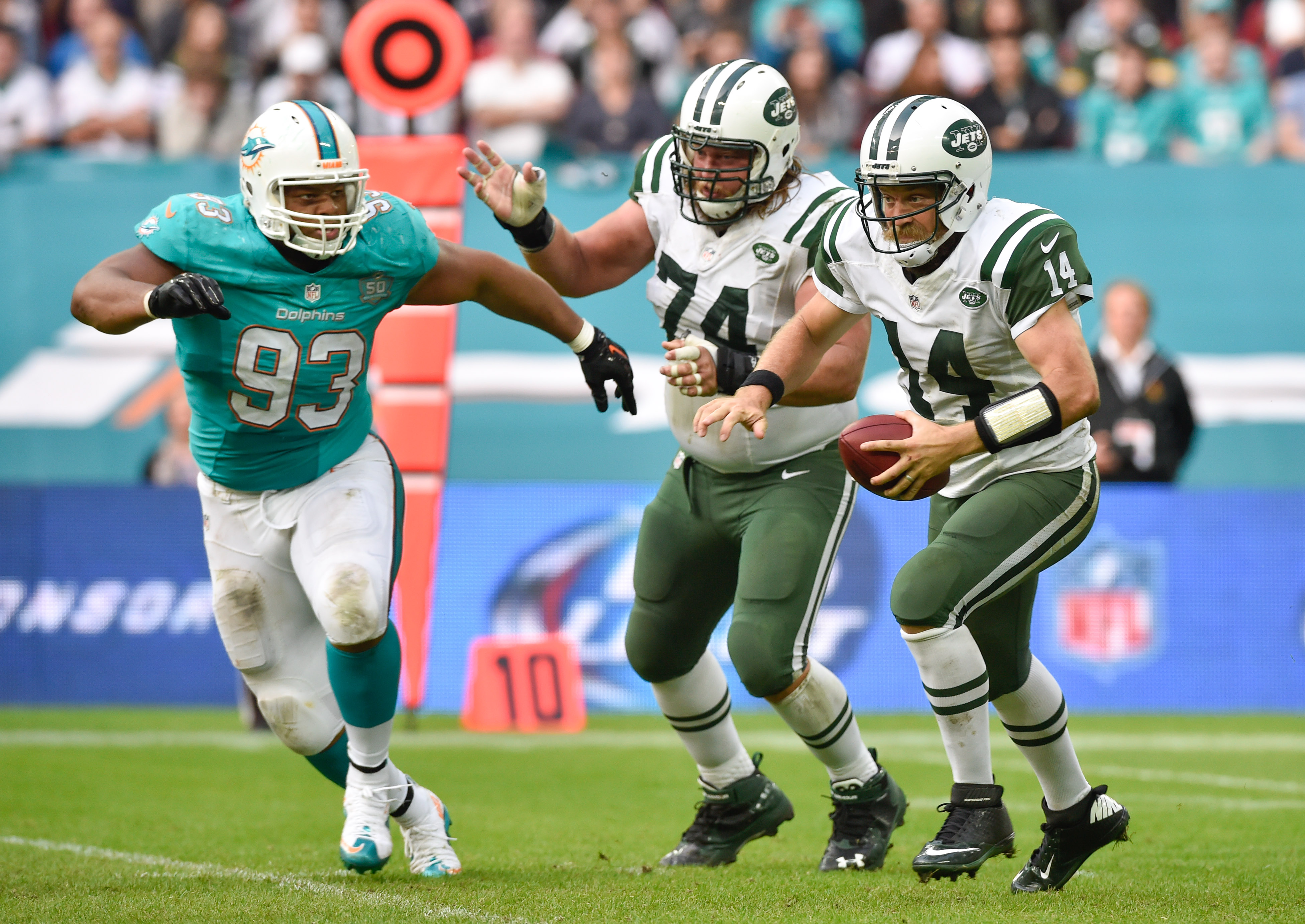 8842766-nfl-international-series-new-york-jets-at-miami-dolphins
