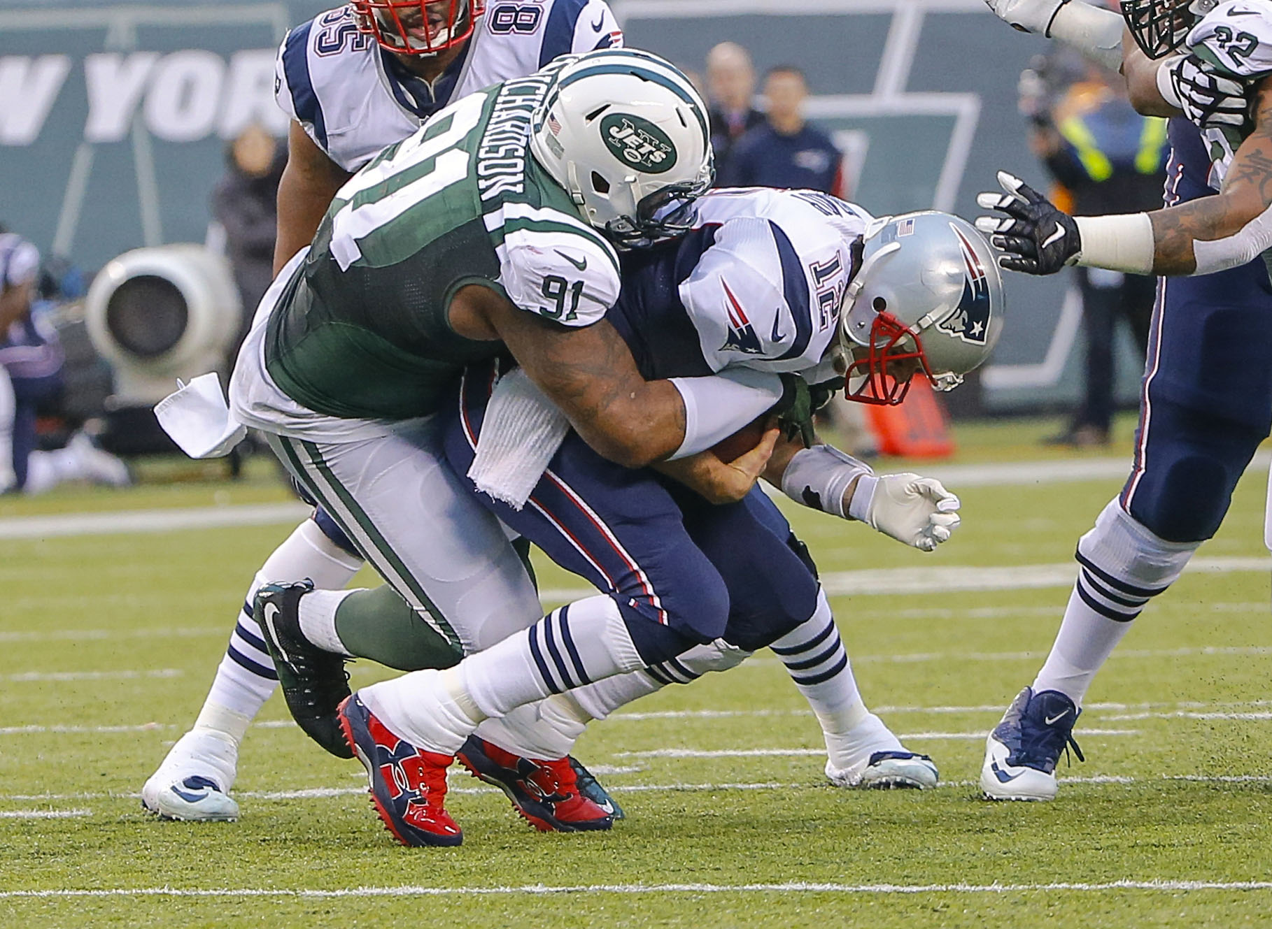 9020278-nfl-new-england-patriots-at-new-york-jets