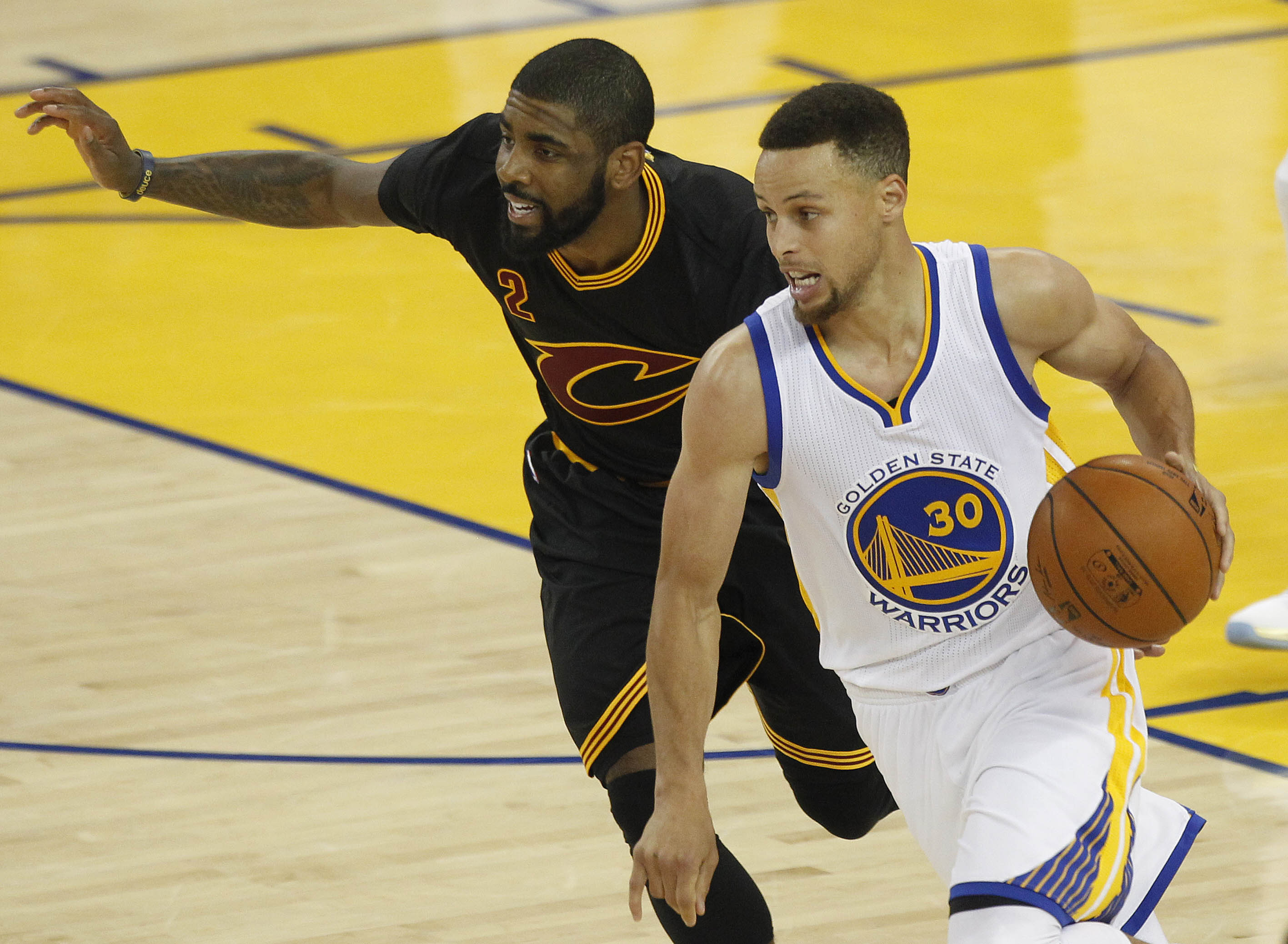 9349306-nba-finals-cleveland-cavaliers-at-golden-state-warriors
