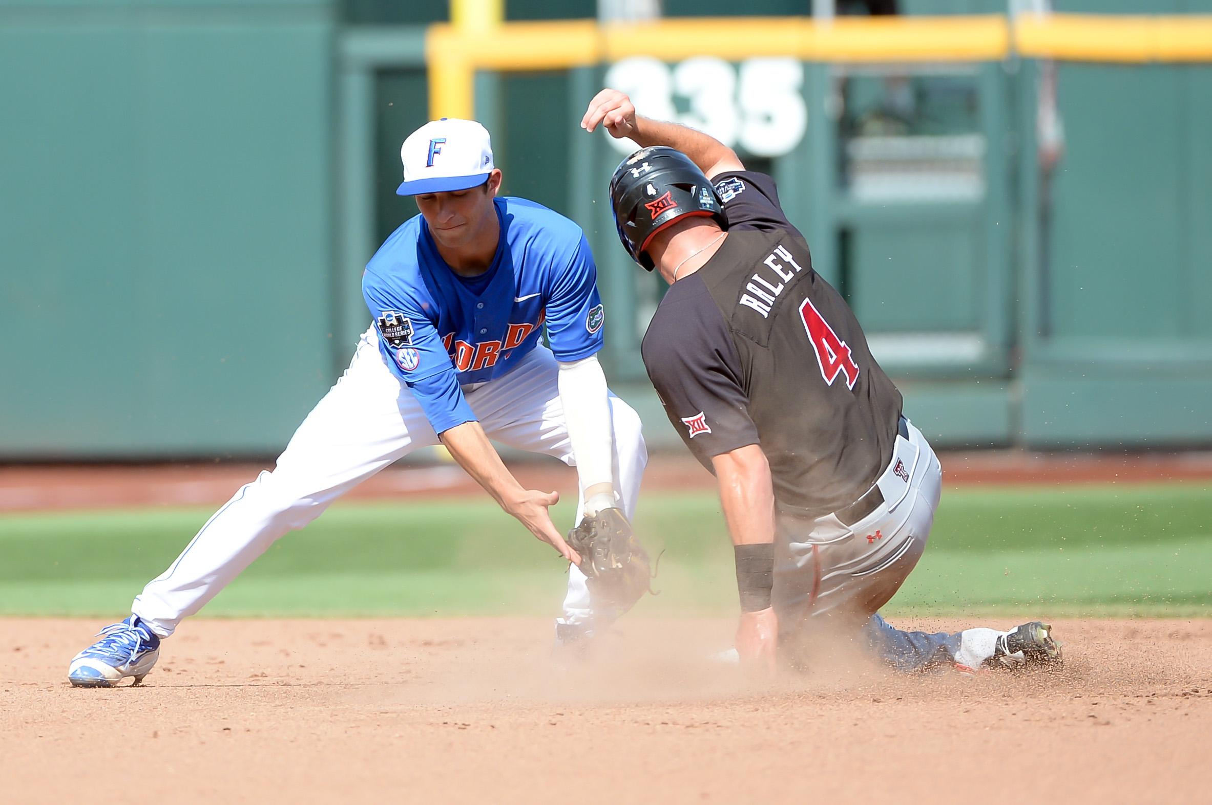 9350497-ncaa-baseball-college-world-series-florida-vs-texas-tech