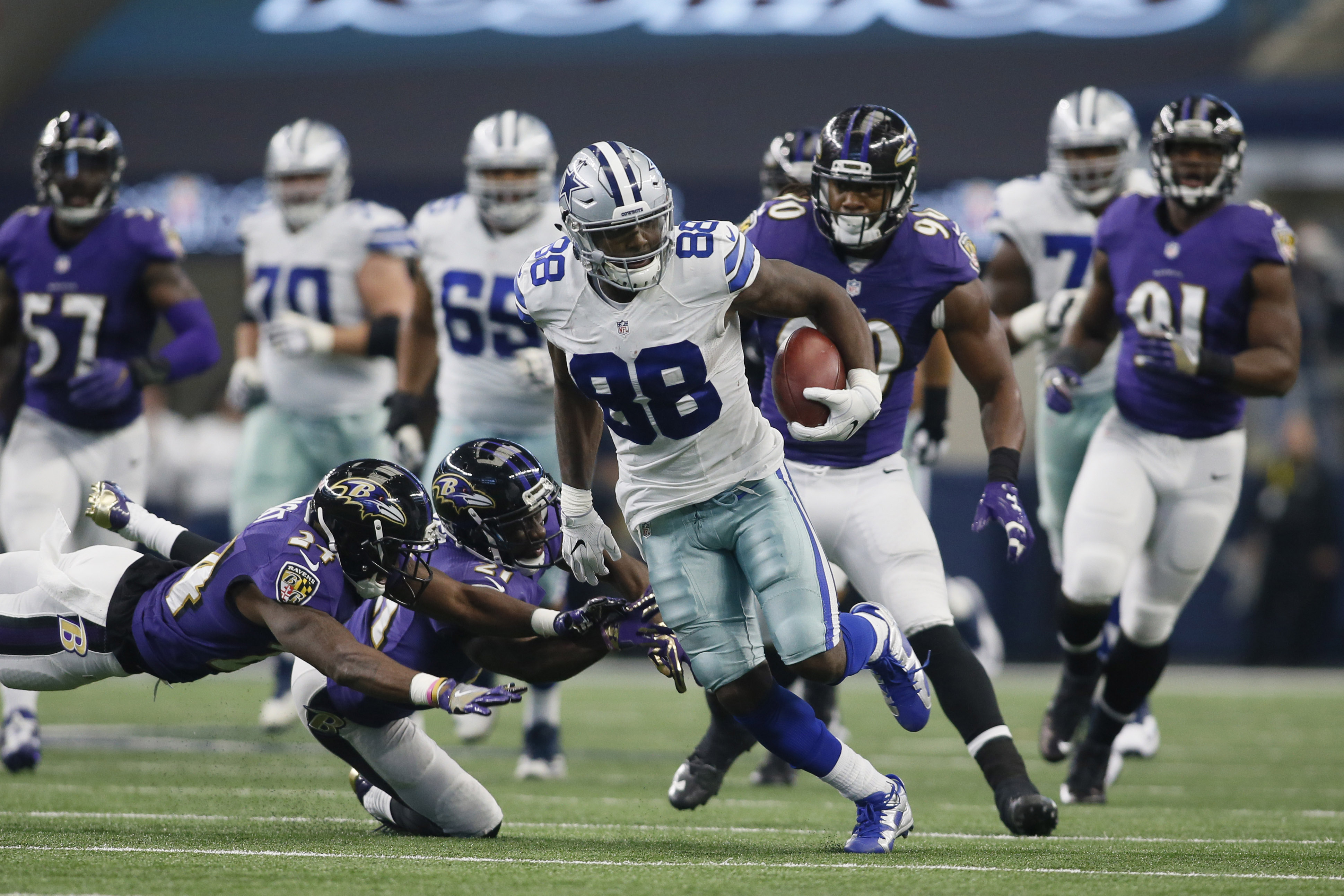 9693315-nfl-baltimore-ravens-at-dallas-cowboys