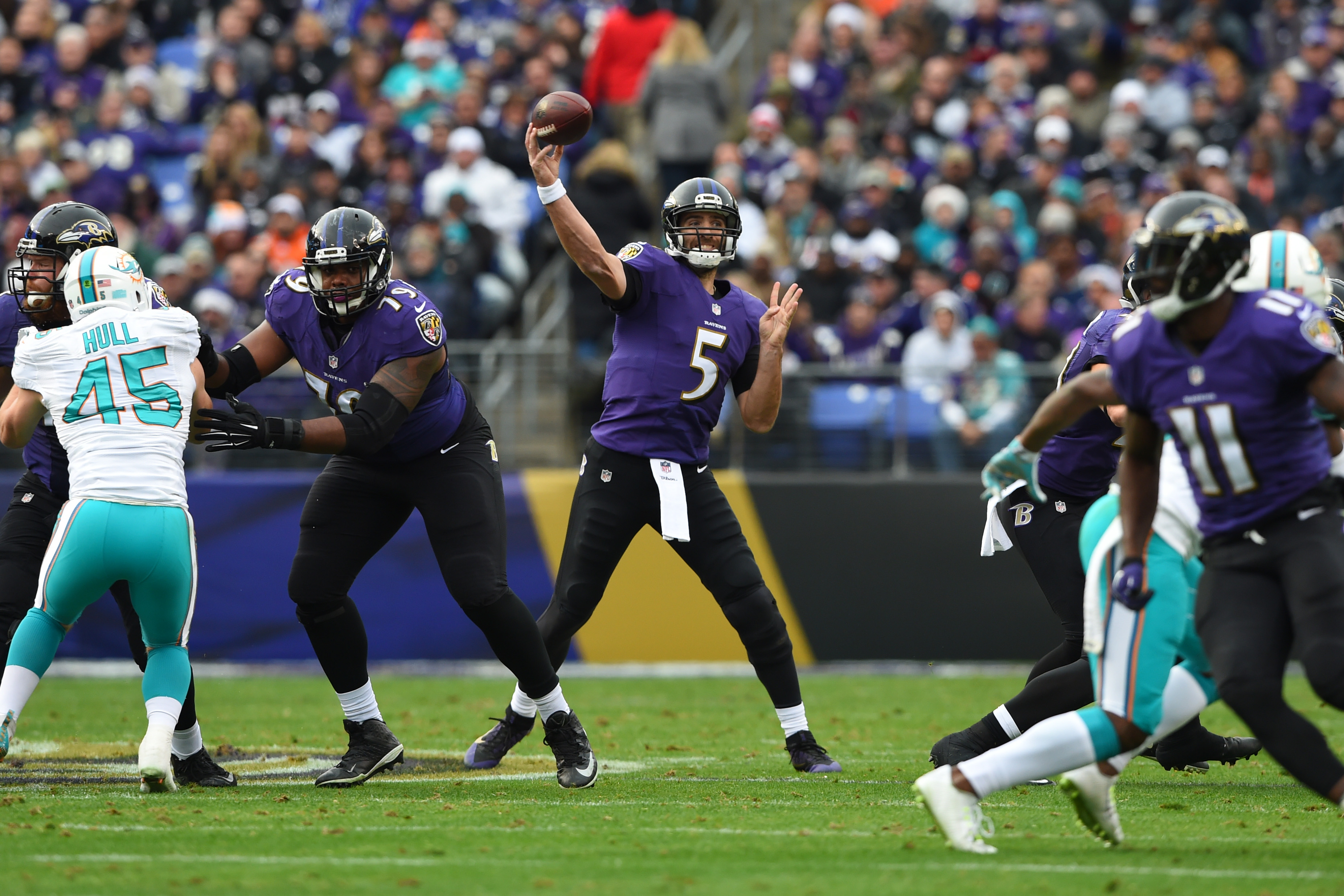 9724432-nfl-miami-dolphins-at-baltimore-ravens