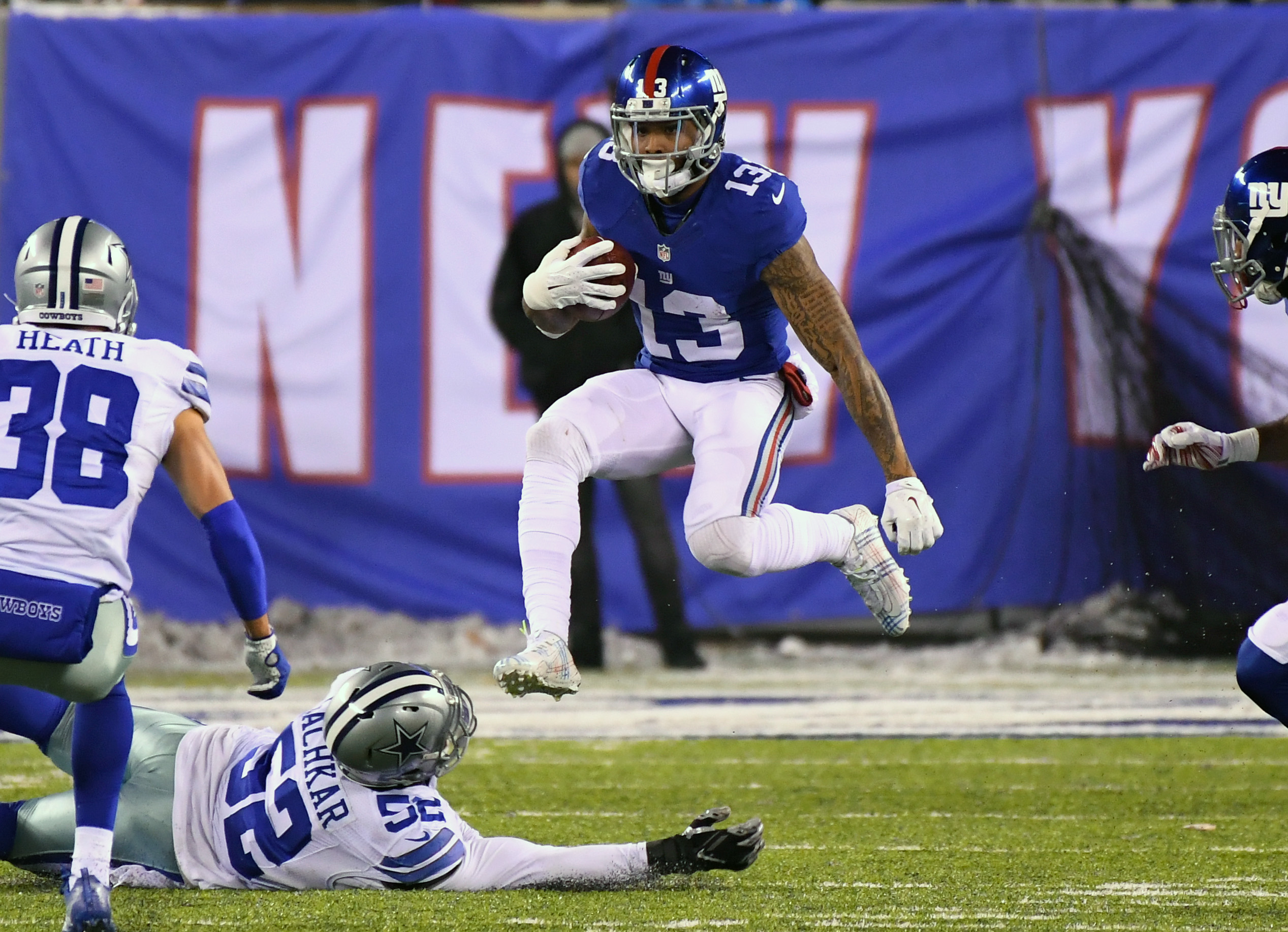 9743359-nfl-dallas-cowboys-at-new-york-giants