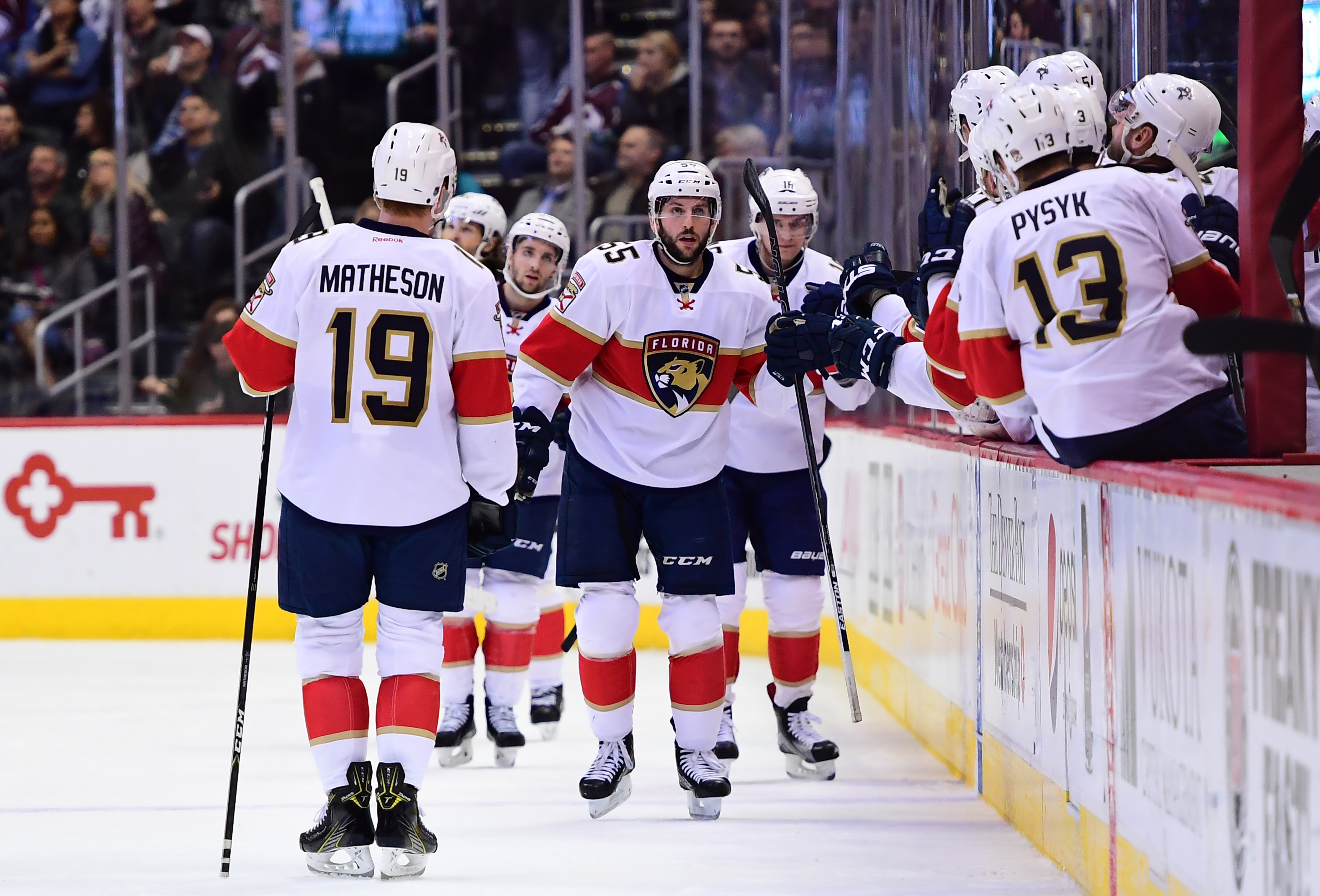 9750038-nhl-florida-panthers-at-colorado-avalanche